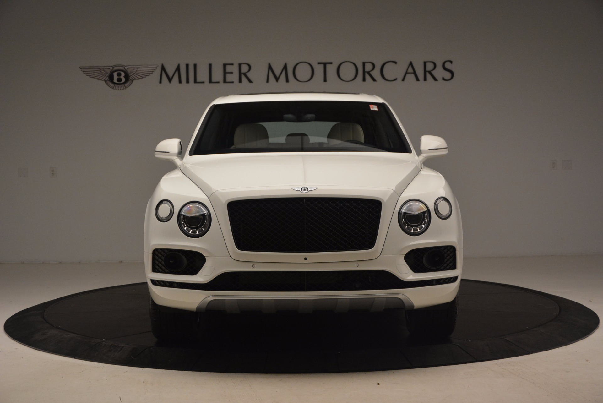 Used 2018 Bentley Bentayga Onyx For Sale In Greenwich, CT 1549_p12