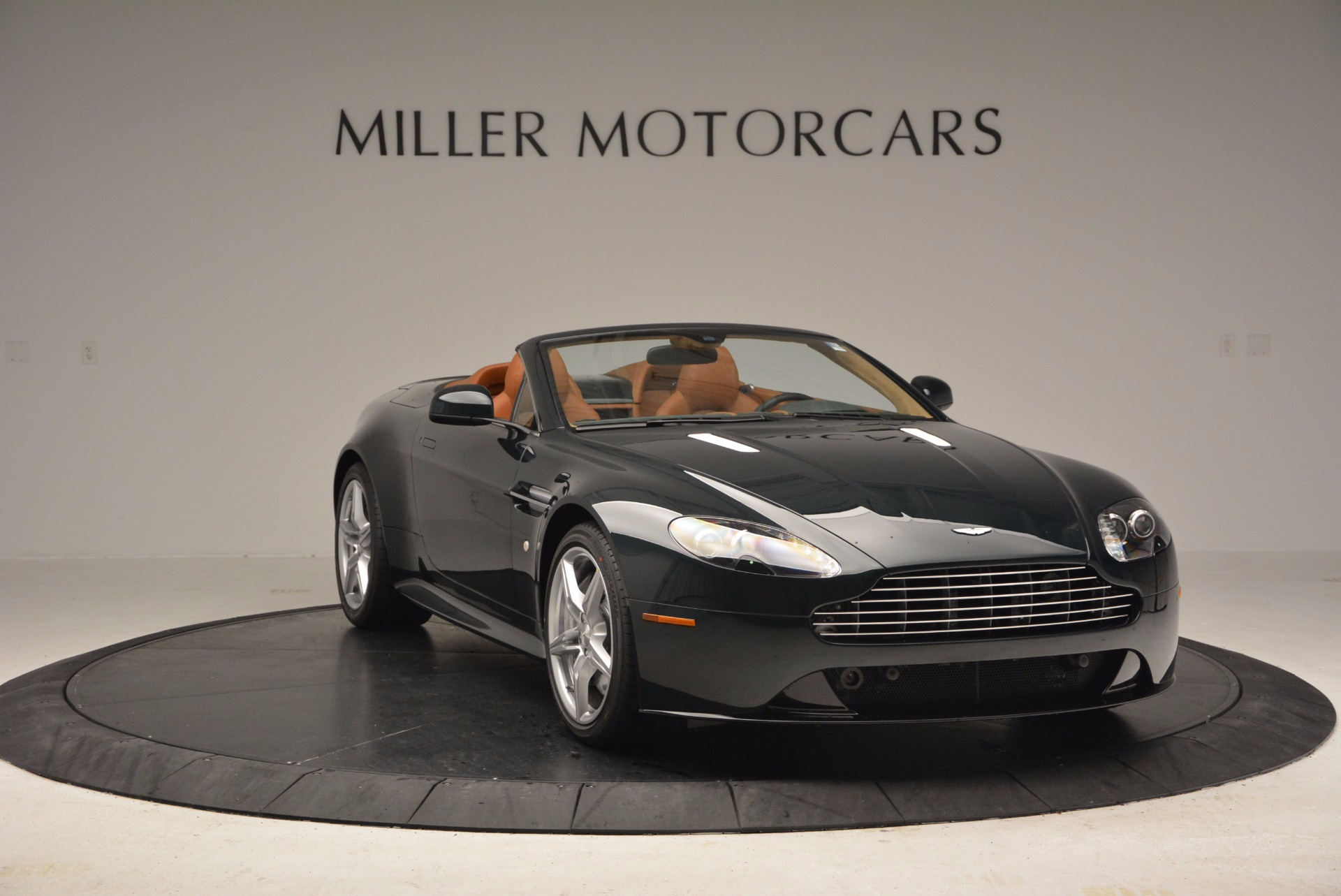 Used 2016 Aston Martin V8 Vantage S Roadster For Sale In Greenwich, CT 1550_p11