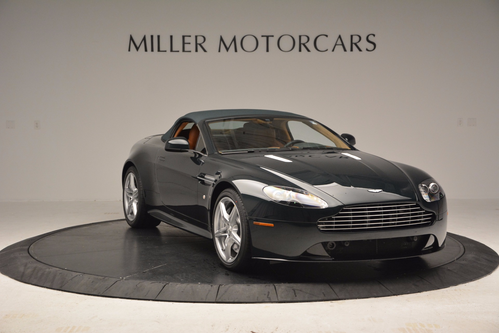 Used 2016 Aston Martin V8 Vantage S Roadster For Sale In Greenwich, CT 1550_p18