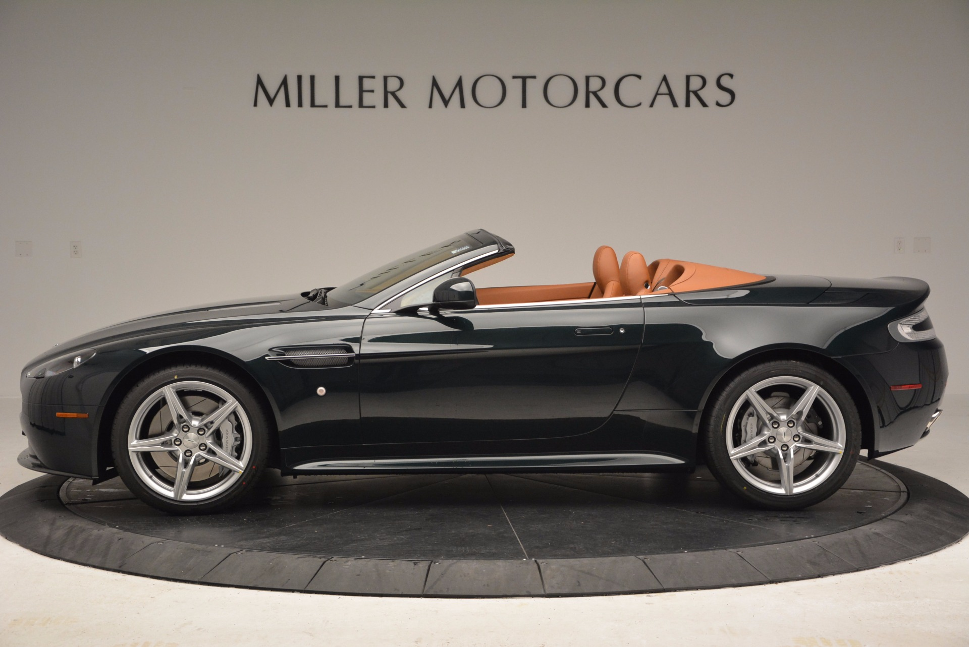 Used 2016 Aston Martin V8 Vantage S Roadster For Sale In Greenwich, CT 1550_p3