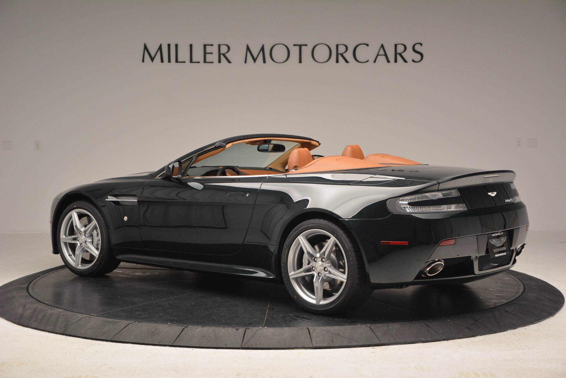 Used 2016 Aston Martin V8 Vantage S Roadster For Sale In Greenwich, CT 1550_p4