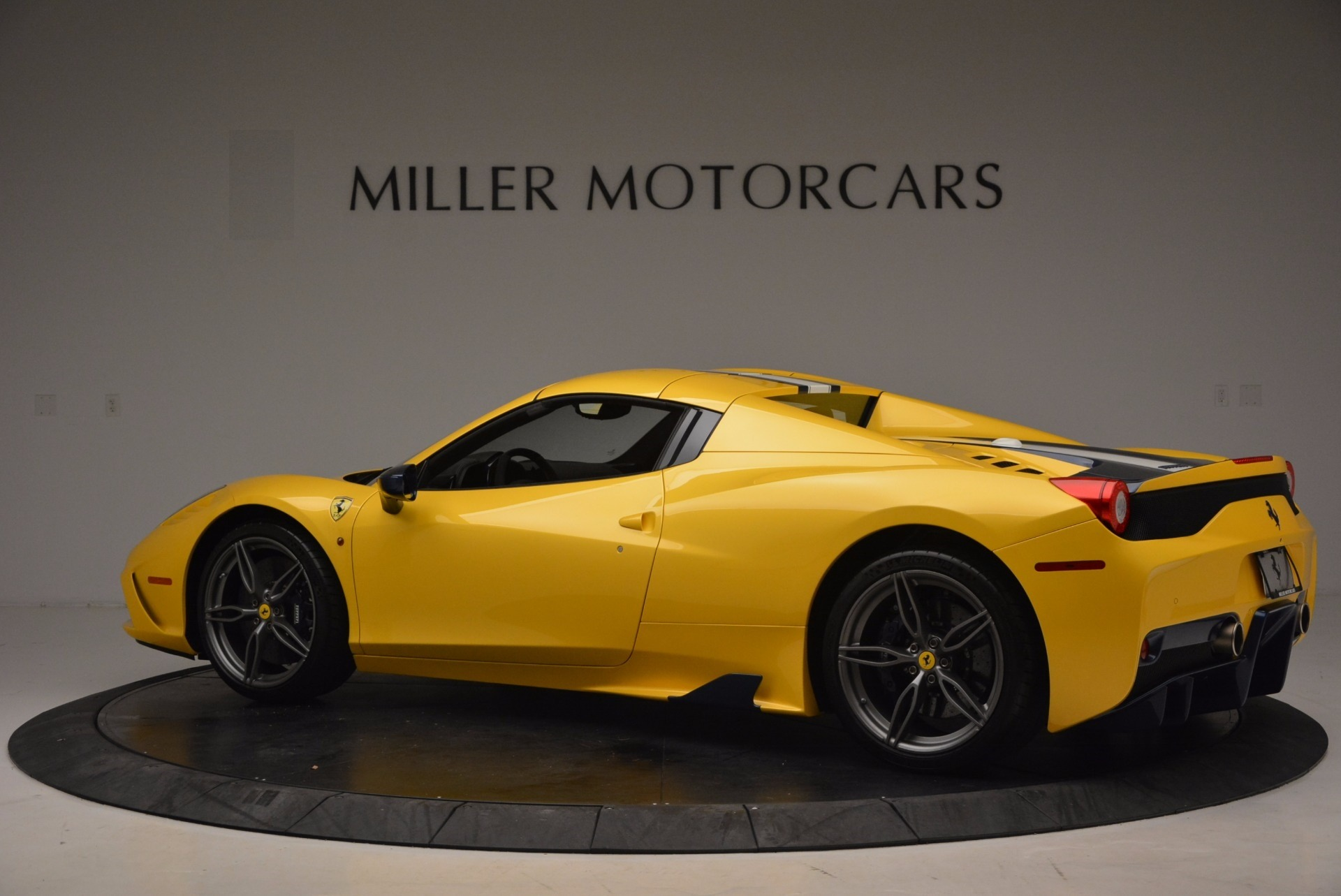 Used 2015 Ferrari 458 Speciale Aperta  For Sale In Greenwich, CT 1555_p15