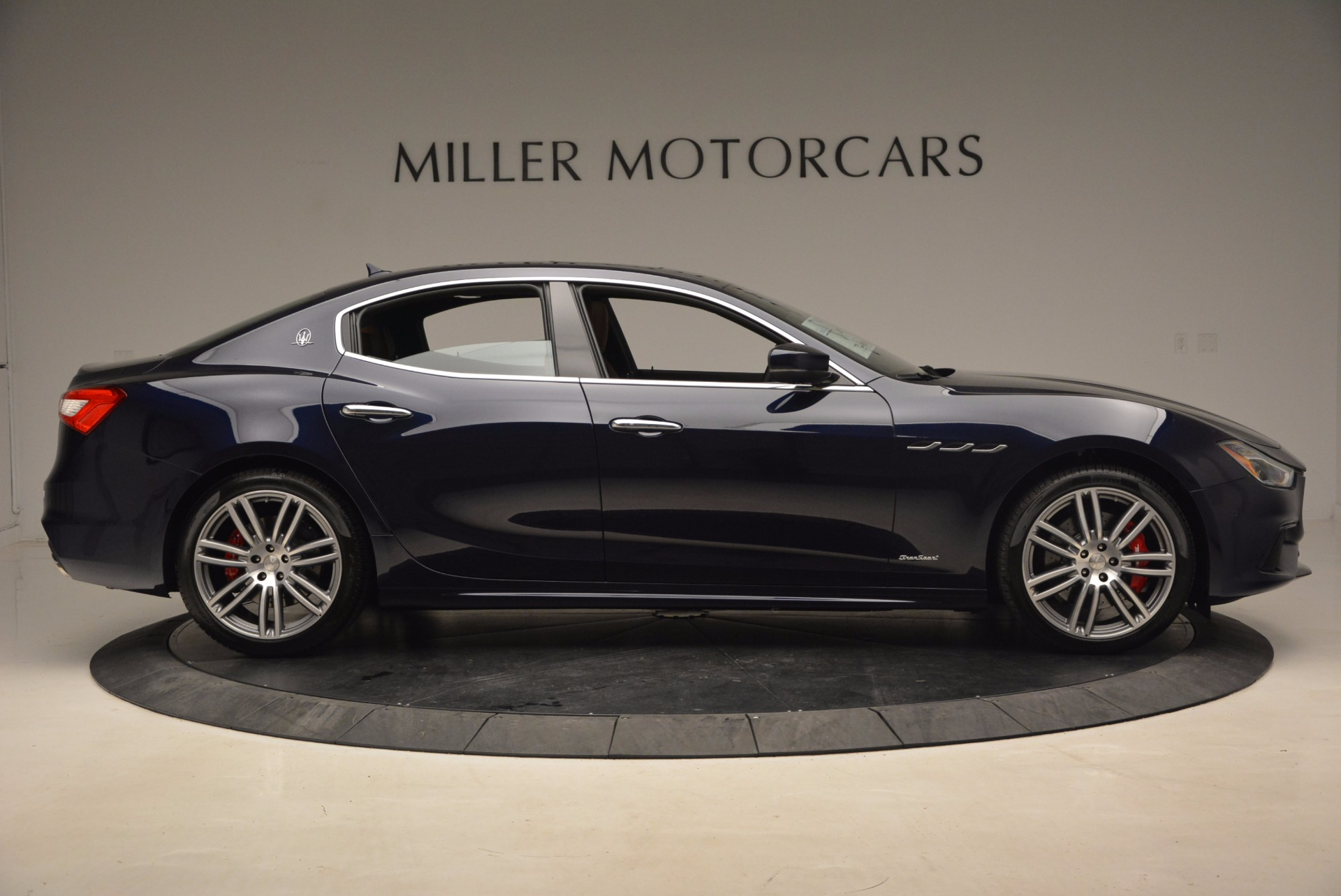 New 2018 Maserati Ghibli S Q4 Gransport For Sale In Greenwich, CT 1562_p9