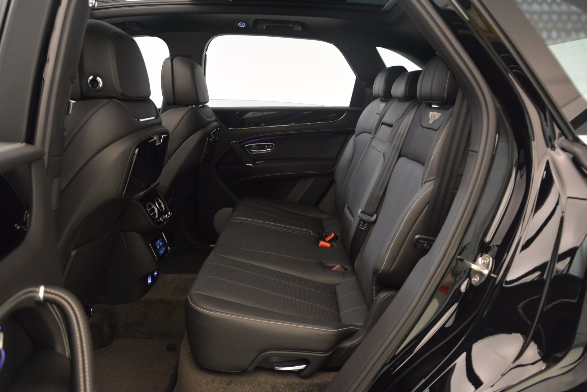 New 2018 Bentley Bentayga Onyx For Sale In Greenwich, CT 1579_p40