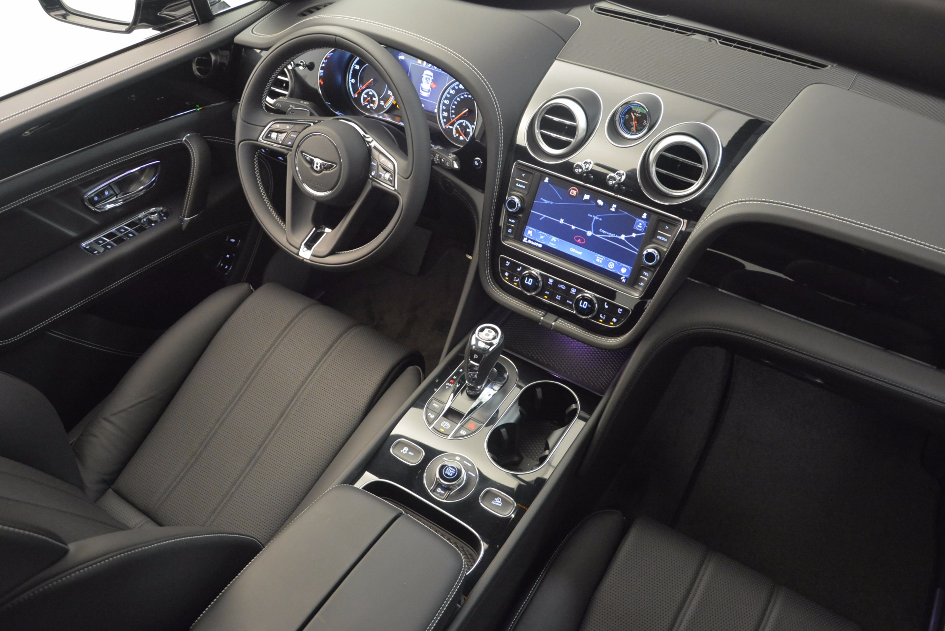 New 2018 Bentley Bentayga Onyx For Sale In Greenwich, CT 1579_p46