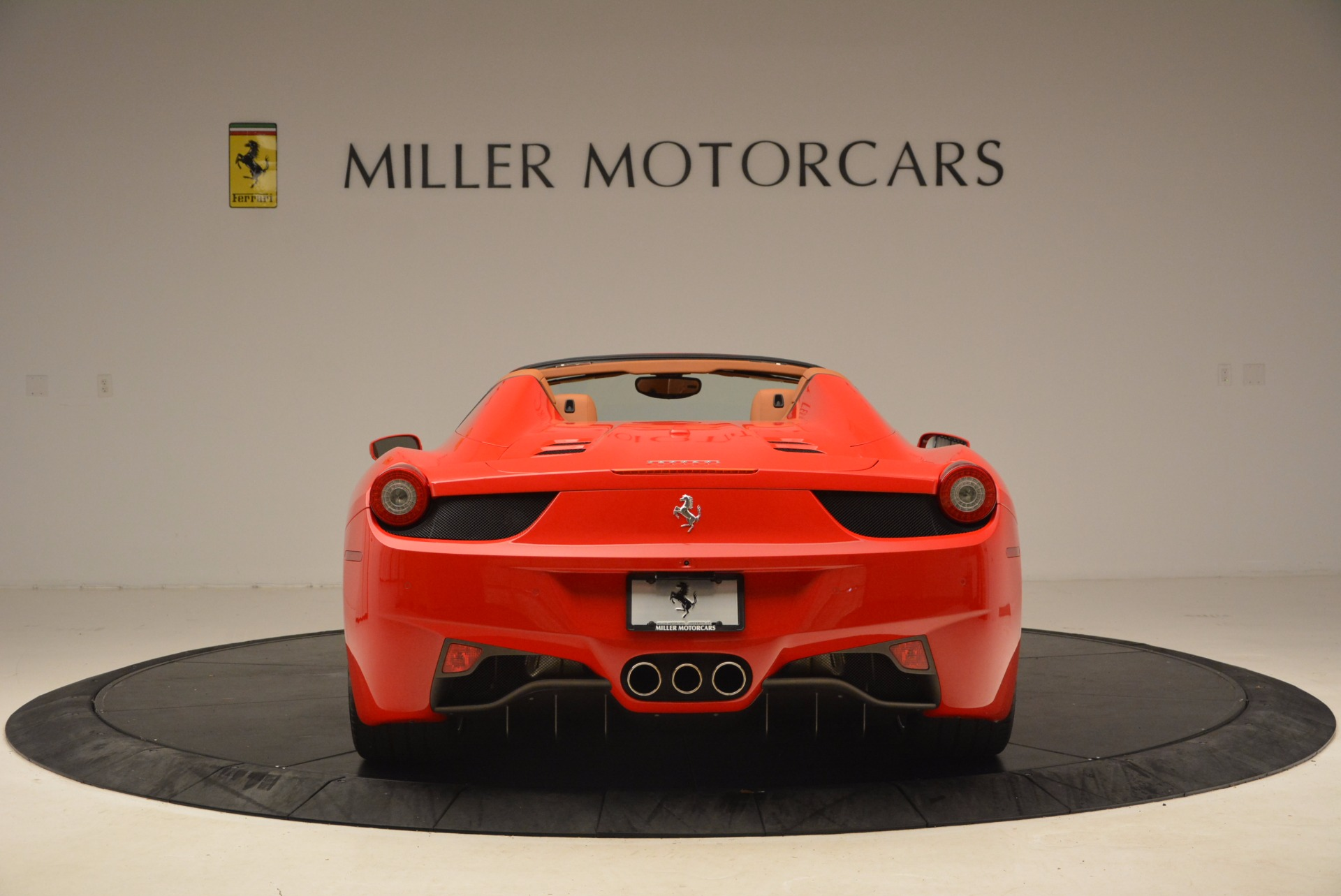 Used 2012 Ferrari 458 Spider  For Sale In Greenwich, CT 1581_p6
