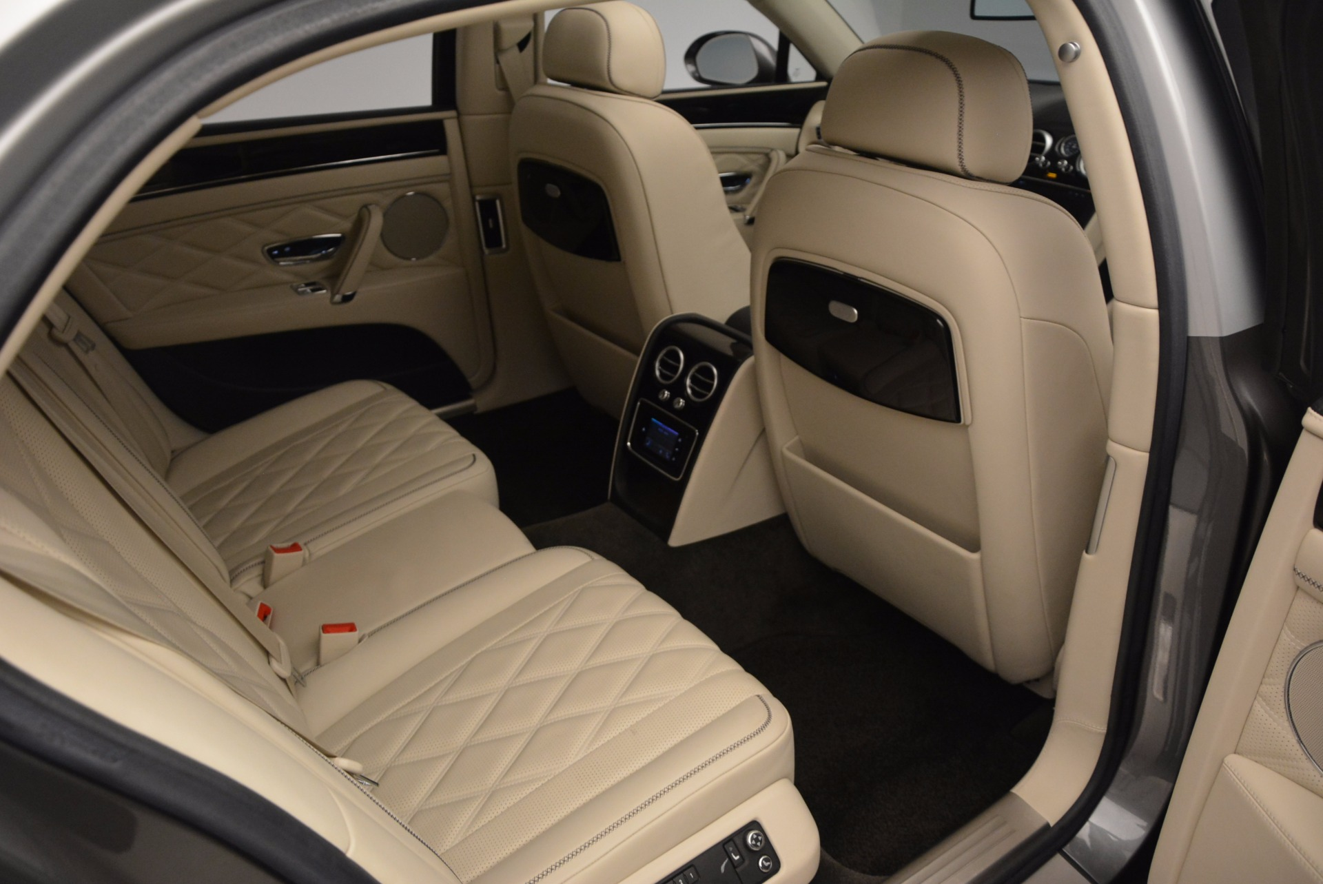 Used 2015 Bentley Flying Spur W12 For Sale In Greenwich, CT 1582_p34