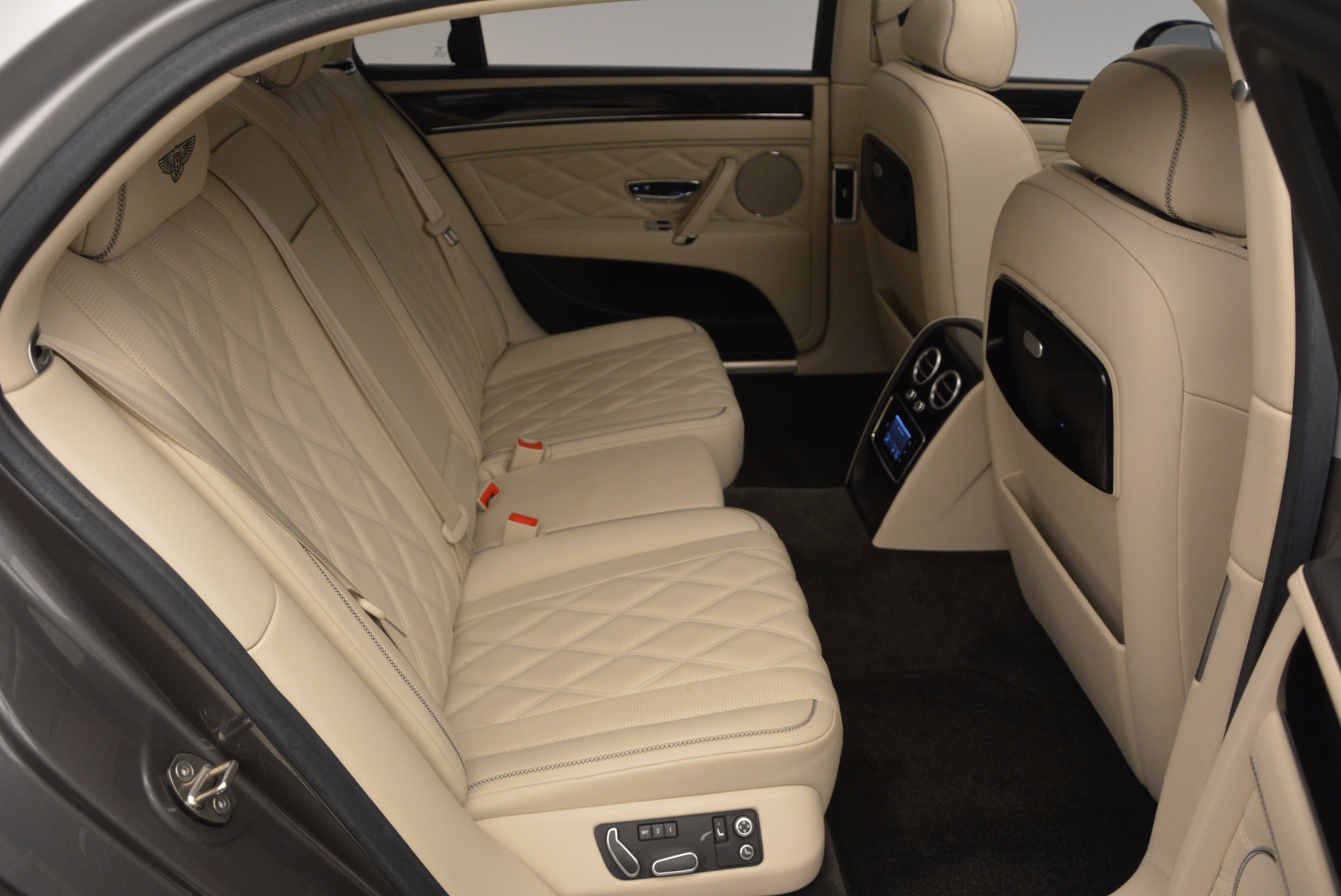 Used 2015 Bentley Flying Spur W12 For Sale In Greenwich, CT 1582_p35