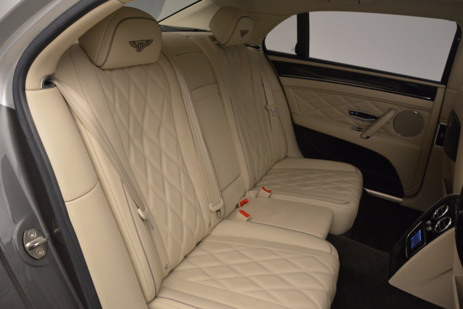Used 2015 Bentley Flying Spur W12 For Sale In Greenwich, CT 1582_p36