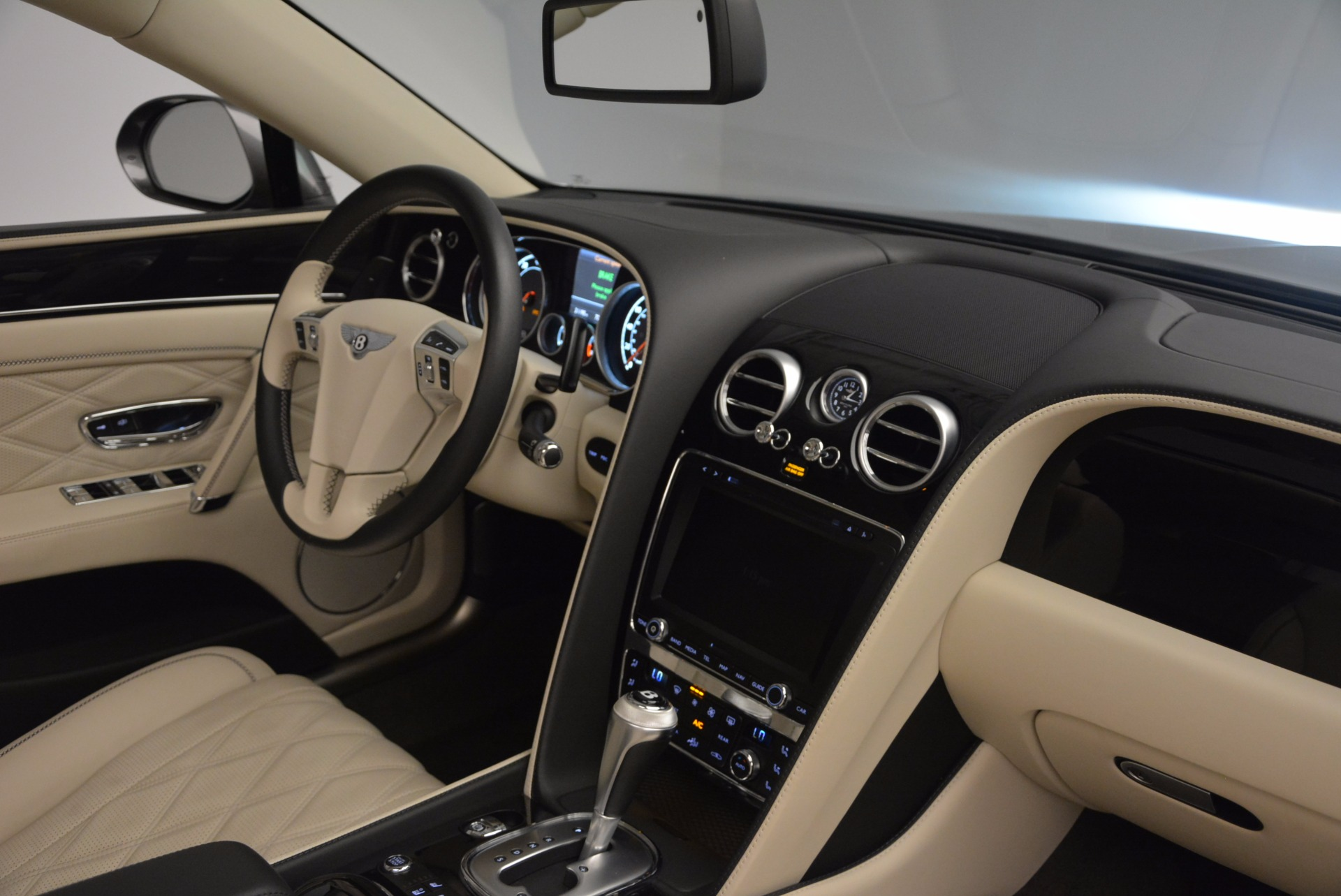 Used 2015 Bentley Flying Spur W12 For Sale In Greenwich, CT 1582_p42