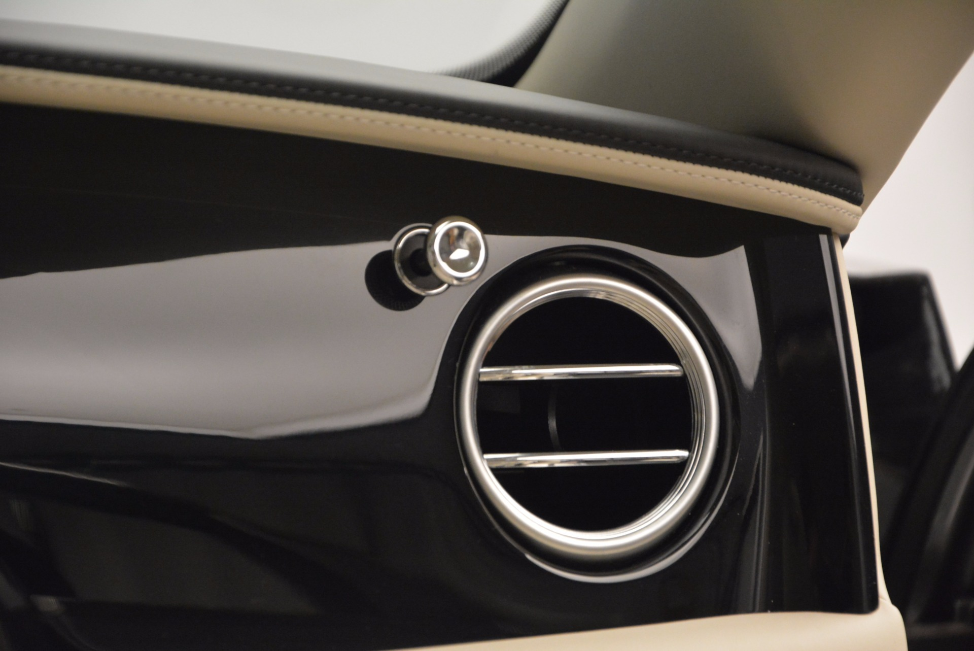 Used 2015 Bentley Flying Spur W12 For Sale In Greenwich, CT 1582_p48