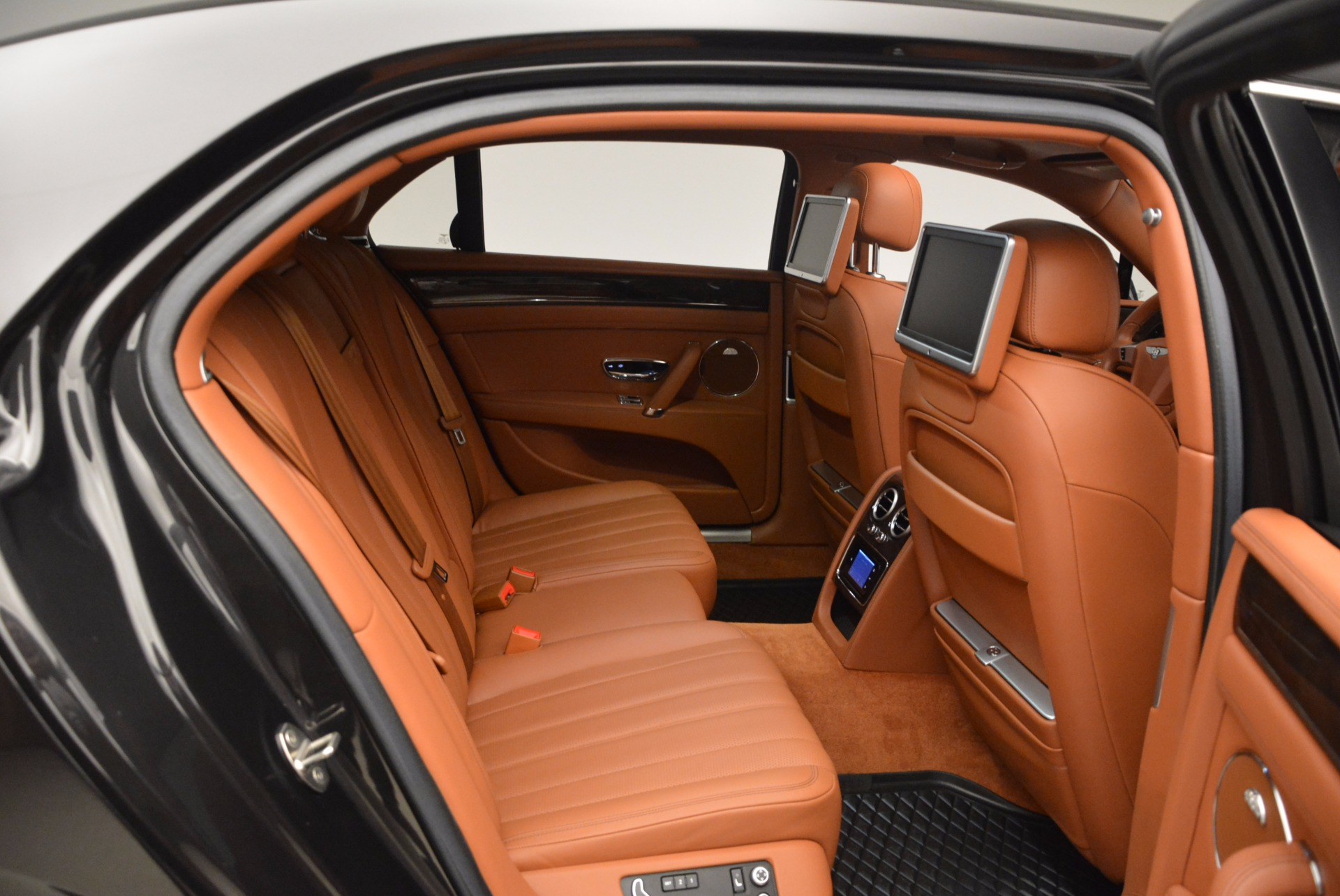Used 2014 Bentley Flying Spur W12 For Sale In Greenwich, CT 1598_p35