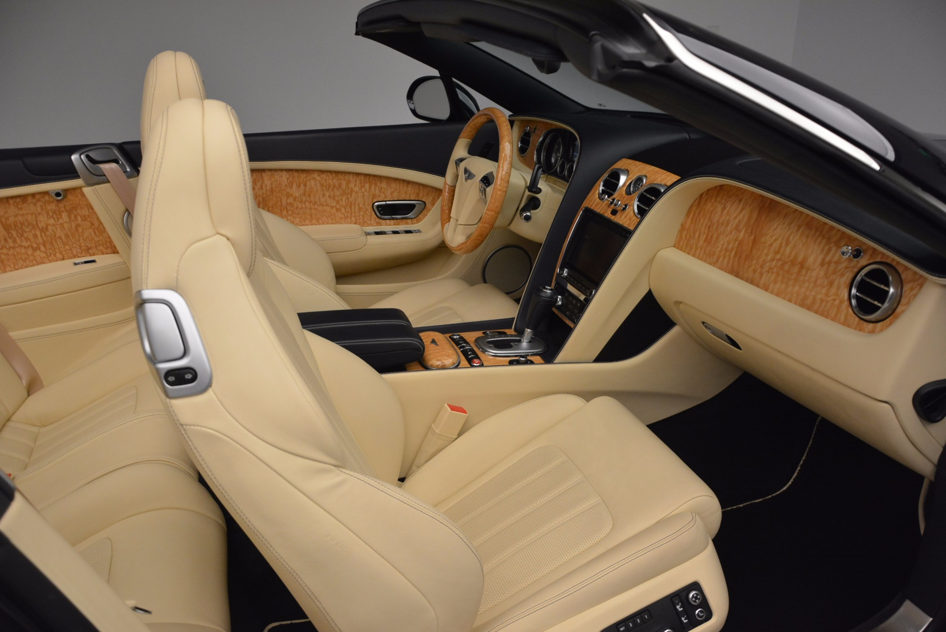 Used 2012 Bentley Continental GTC  For Sale In Greenwich, CT 16_p45