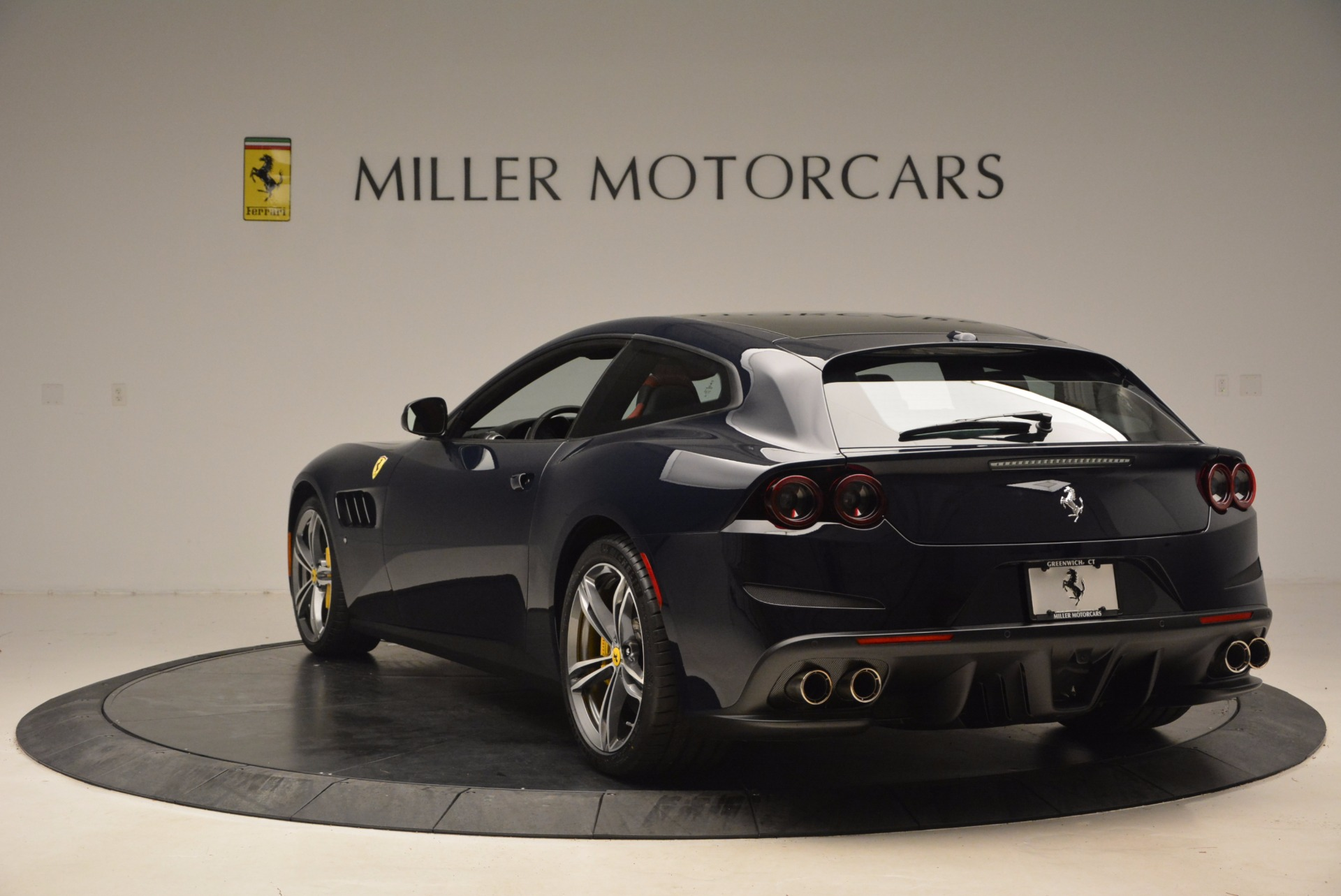 Used 2017 Ferrari GTC4Lusso  For Sale In Greenwich, CT 1601_p5