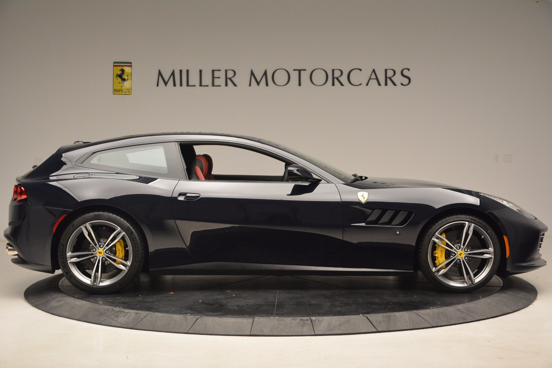 Used 2017 Ferrari GTC4Lusso  For Sale In Greenwich, CT 1601_p9