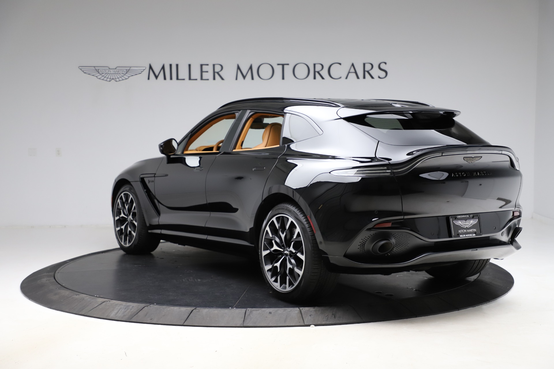 New 2020 Aston Martin DBX  For Sale In Greenwich, CT 1602_p4