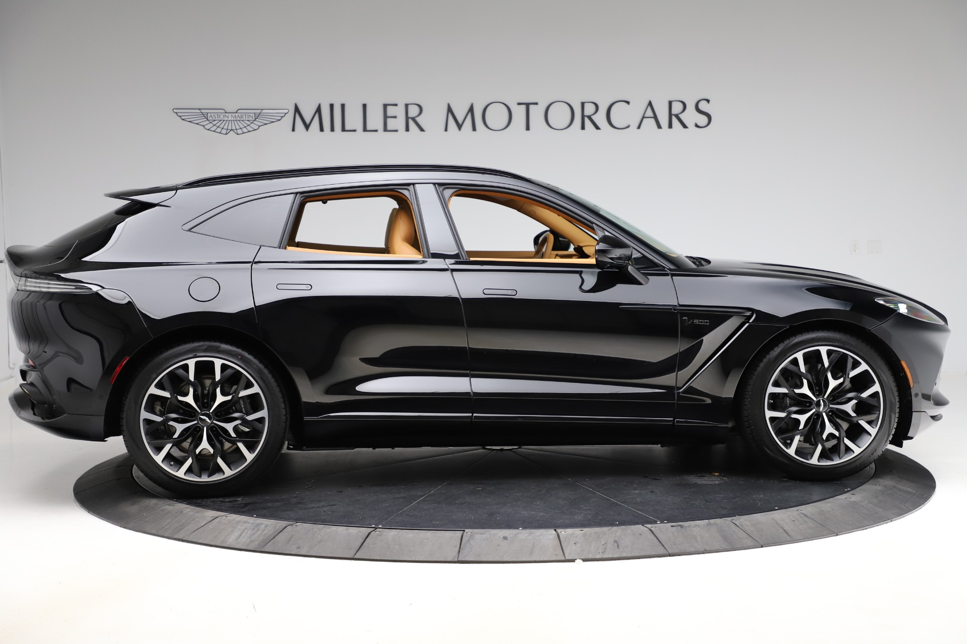 New 2020 Aston Martin DBX  For Sale In Greenwich, CT 1602_p8