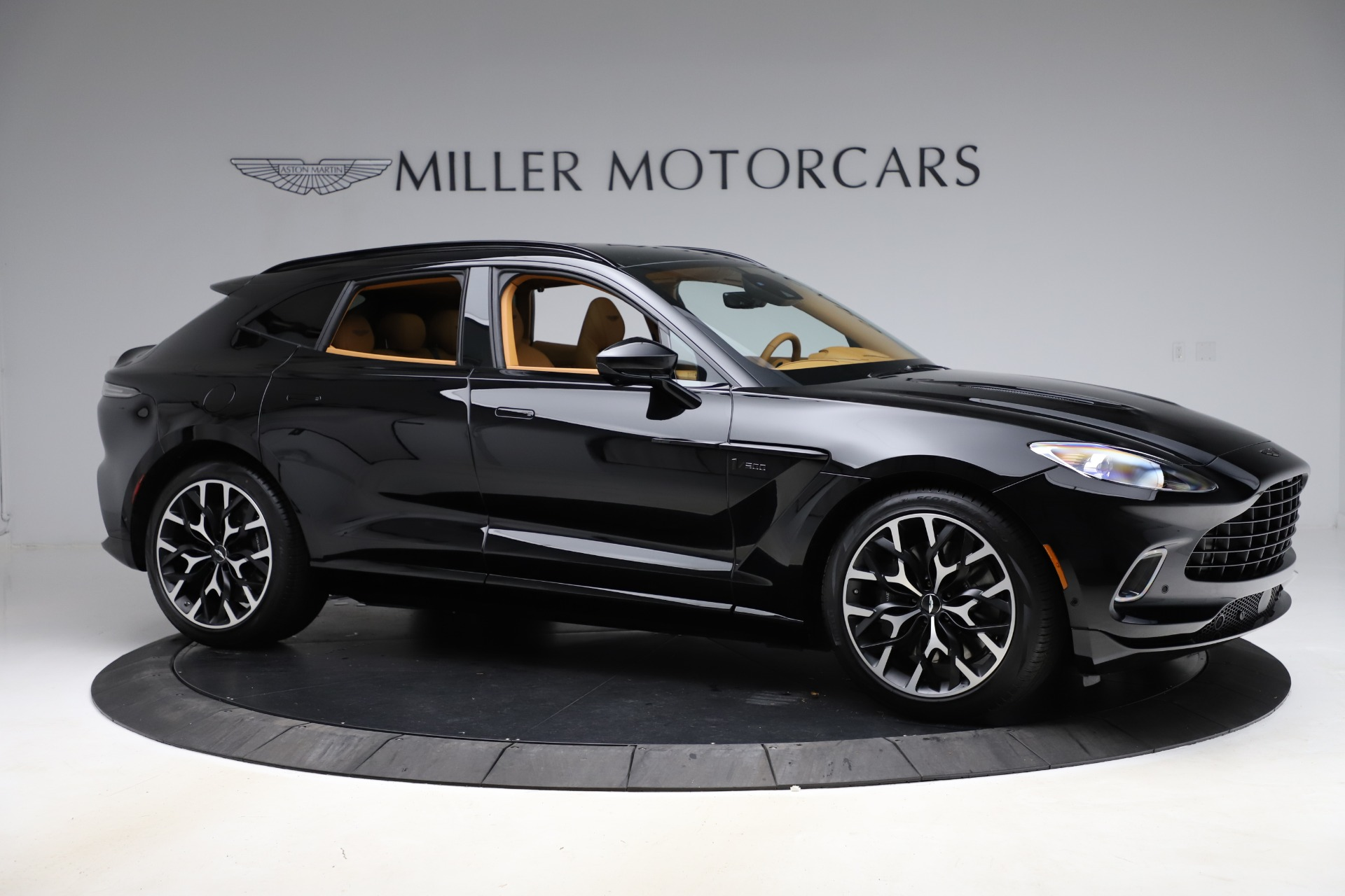 New 2020 Aston Martin DBX  For Sale In Greenwich, CT 1602_p9