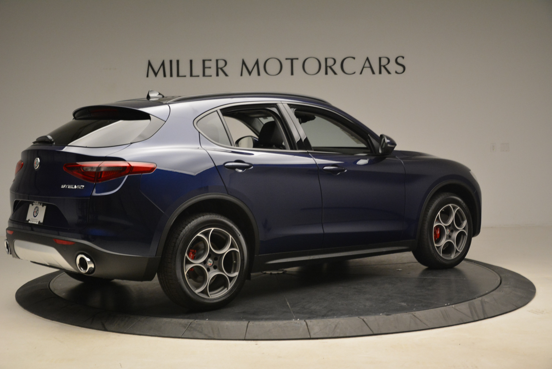 New 2018 Alfa Romeo Stelvio Sport Q4 For Sale In Greenwich, CT 1611_p8