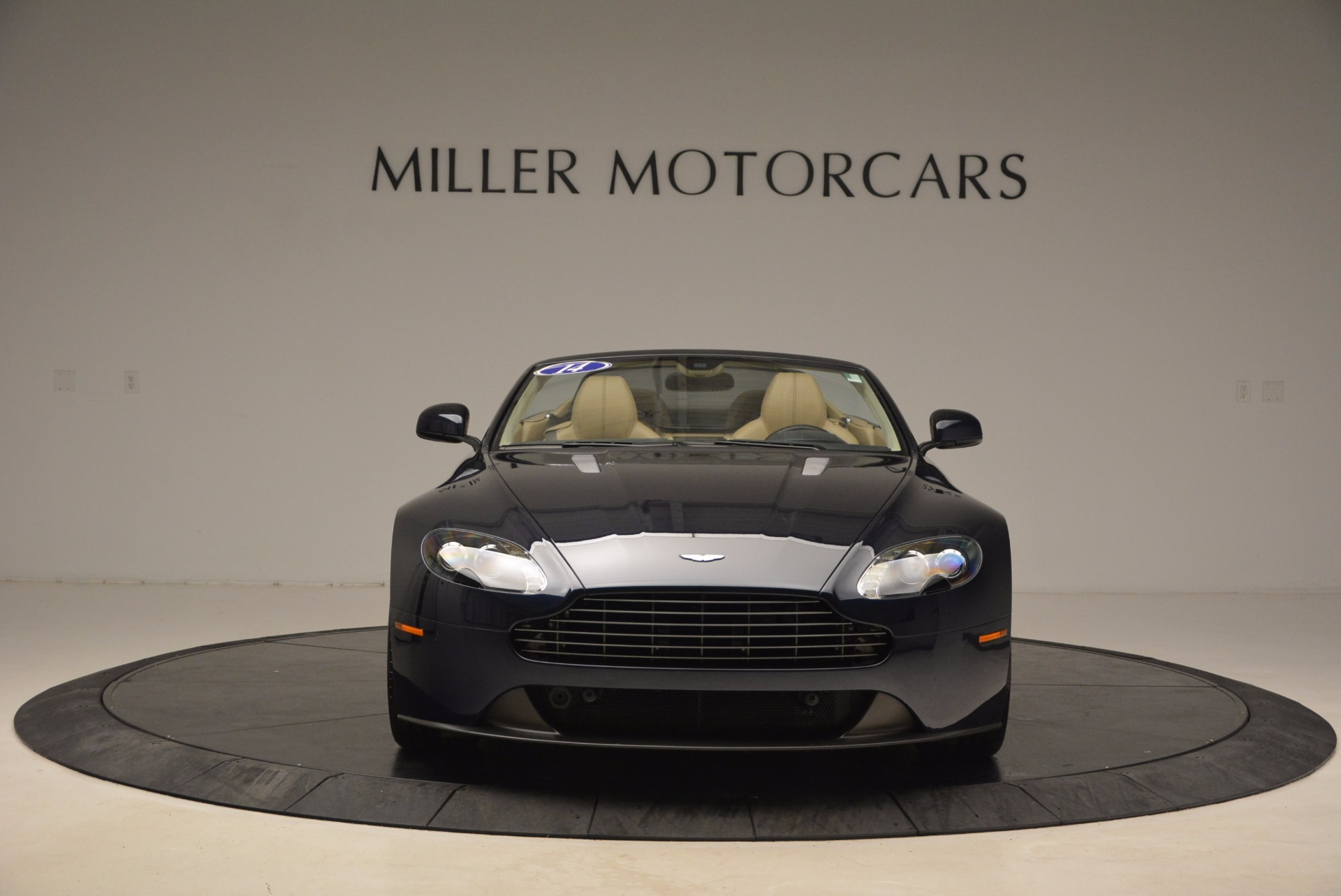 Used 2014 Aston Martin V8 Vantage Roadster For Sale In Greenwich, CT 1623_p12