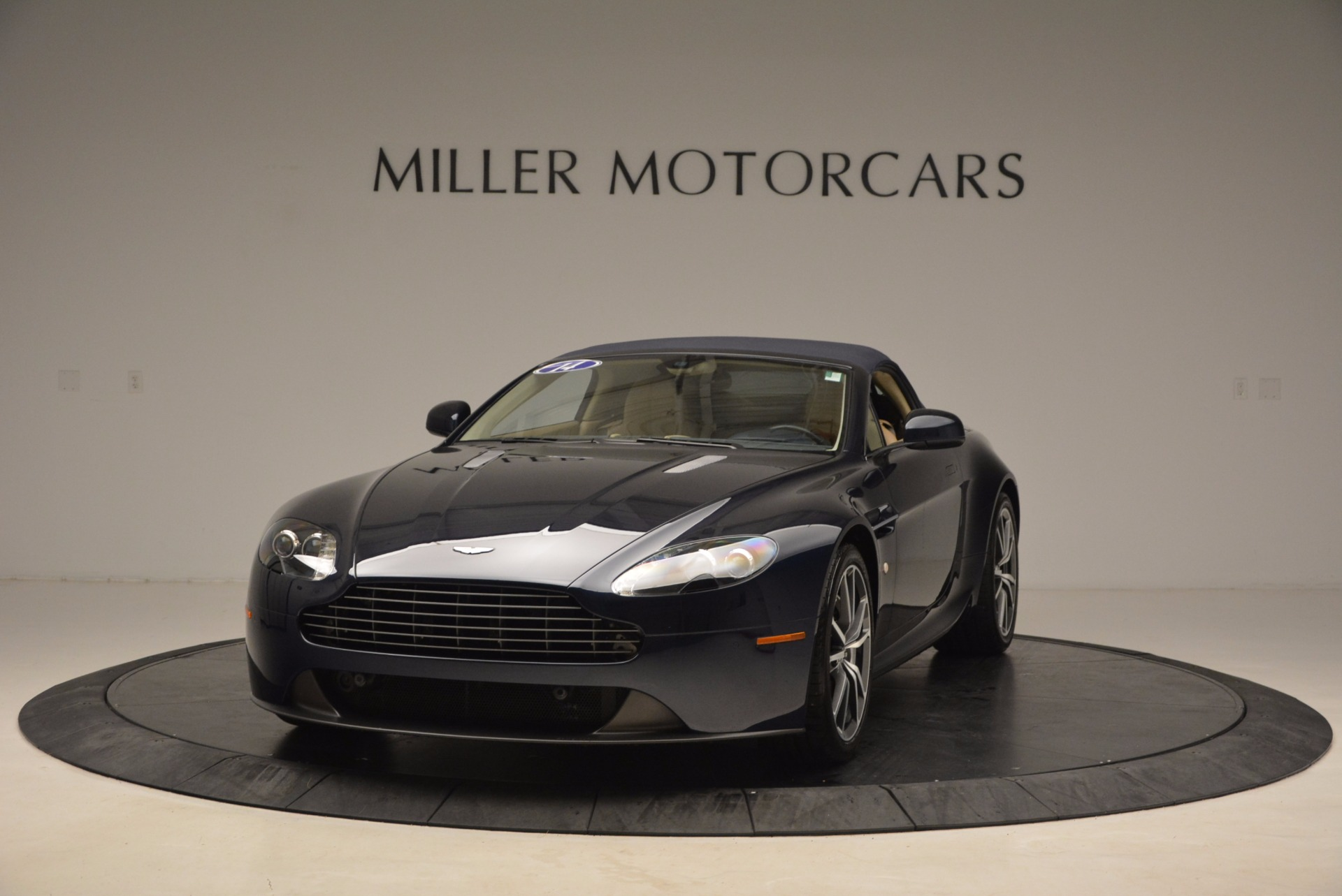Used 2014 Aston Martin V8 Vantage Roadster For Sale In Greenwich, CT 1623_p13