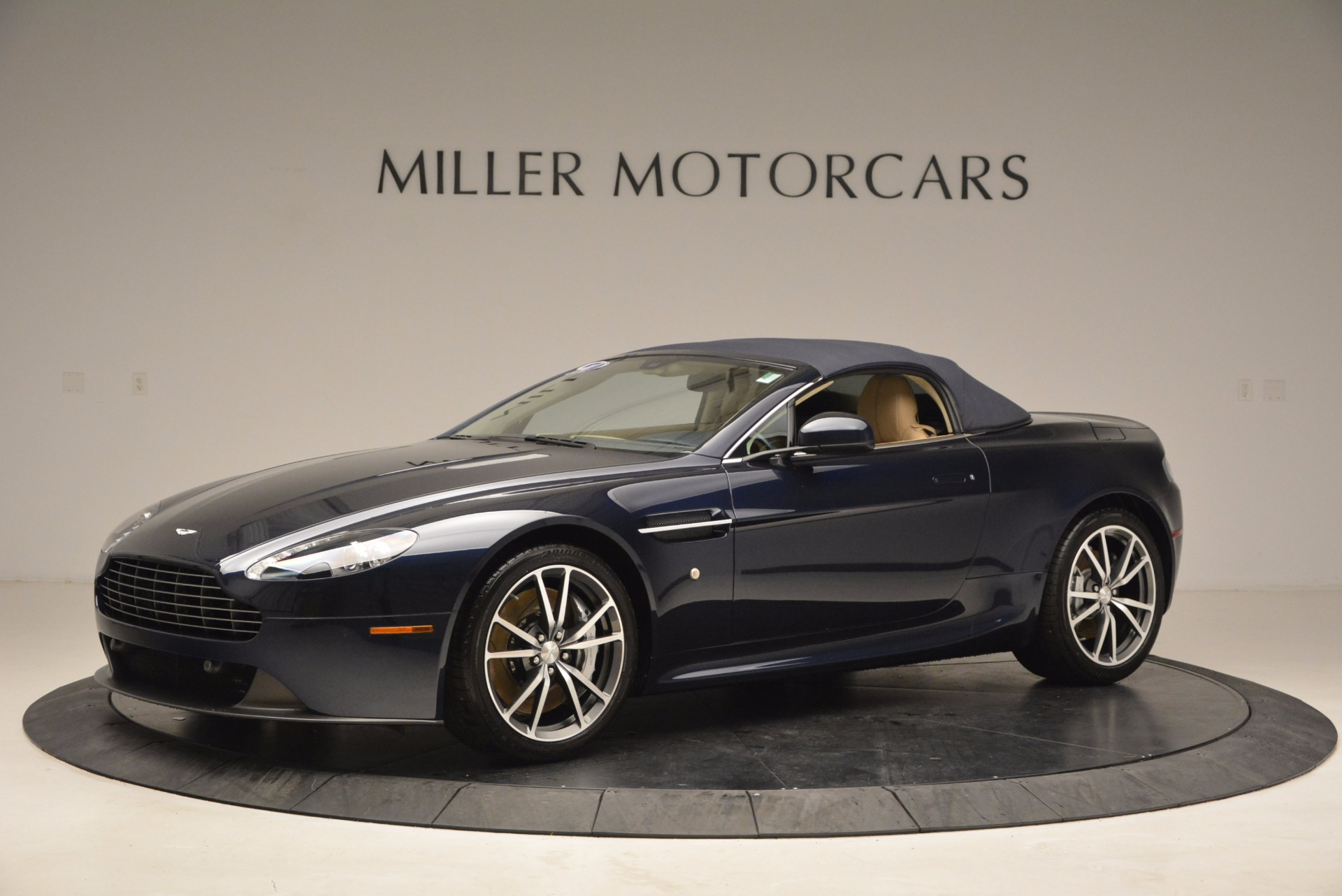 Used 2014 Aston Martin V8 Vantage Roadster For Sale In Greenwich, CT 1623_p14