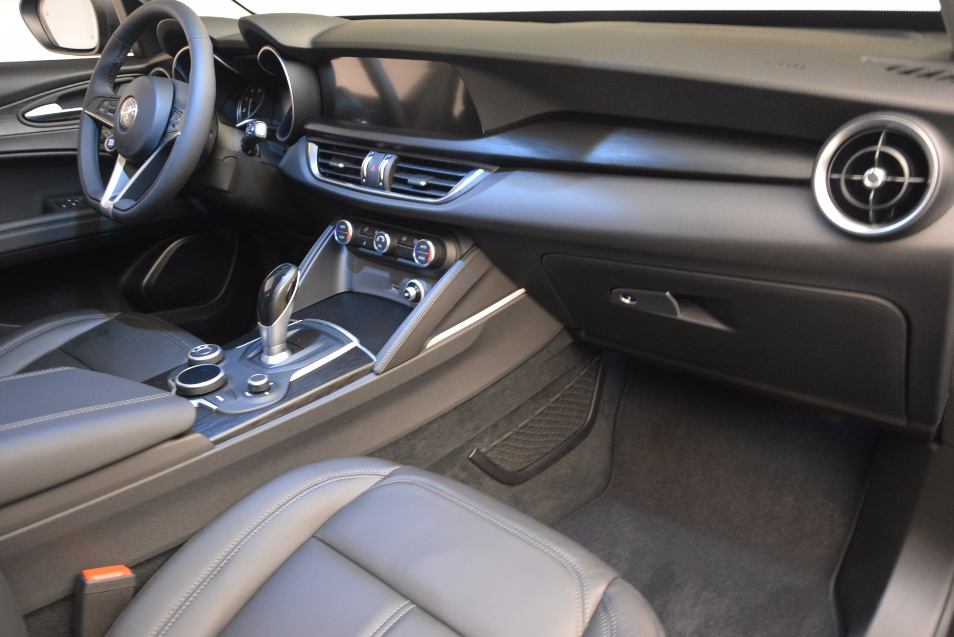 New 2018 Alfa Romeo Stelvio Q4 For Sale In Greenwich, CT 1625_p19