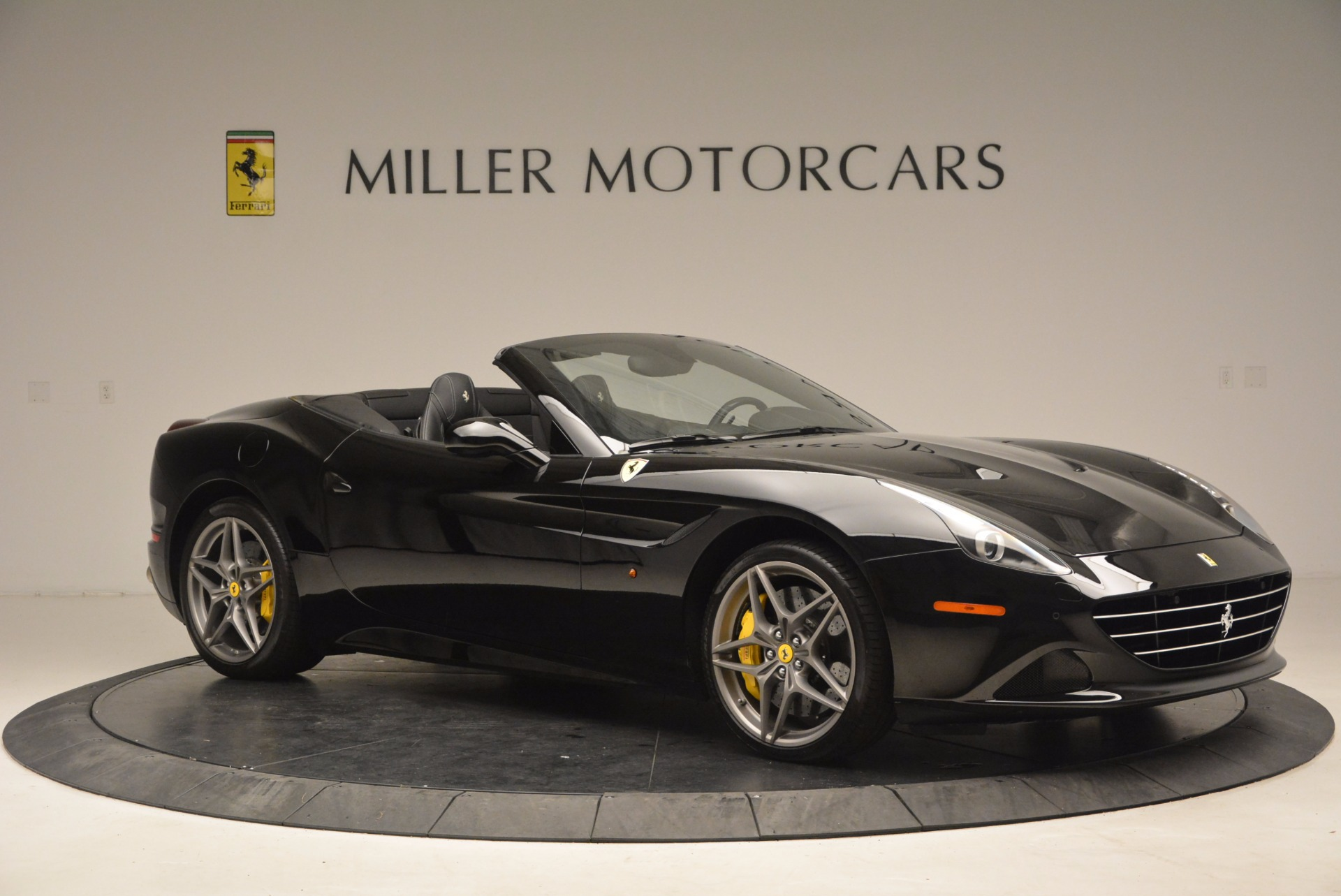 Used 2016 Ferrari California T  For Sale In Greenwich, CT 1630_p10