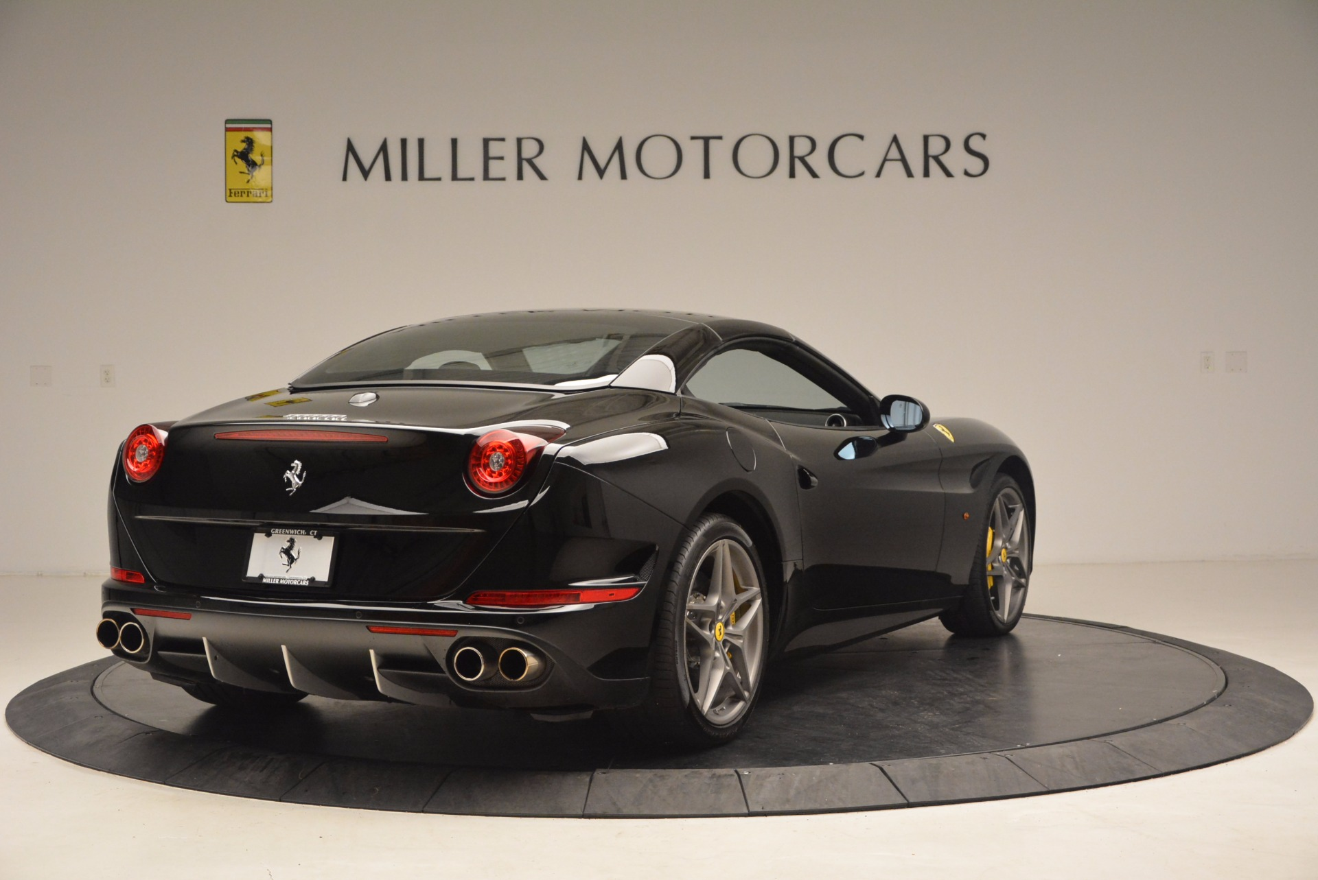 Used 2016 Ferrari California T  For Sale In Greenwich, CT 1630_p19