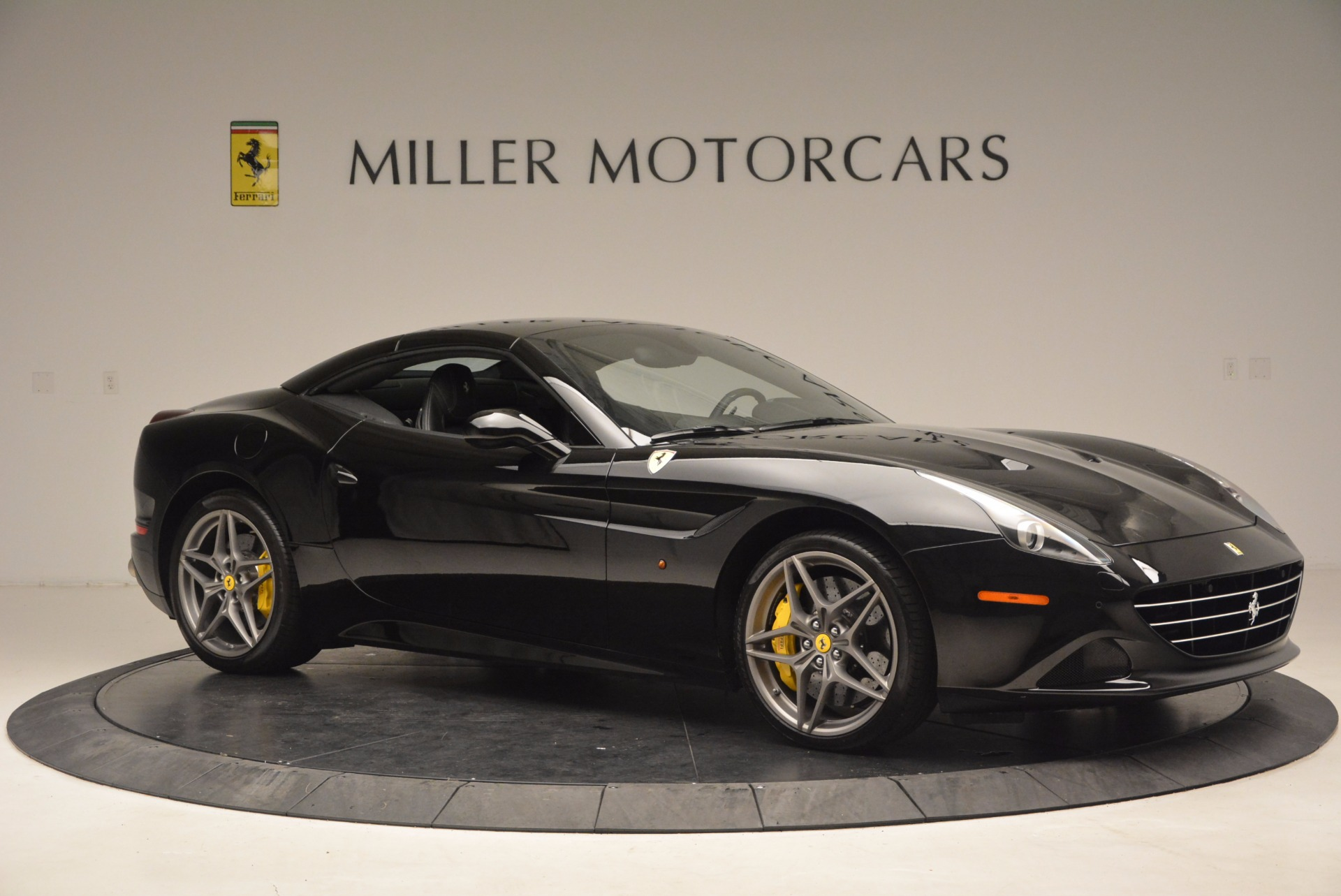 Used 2016 Ferrari California T  For Sale In Greenwich, CT 1630_p22