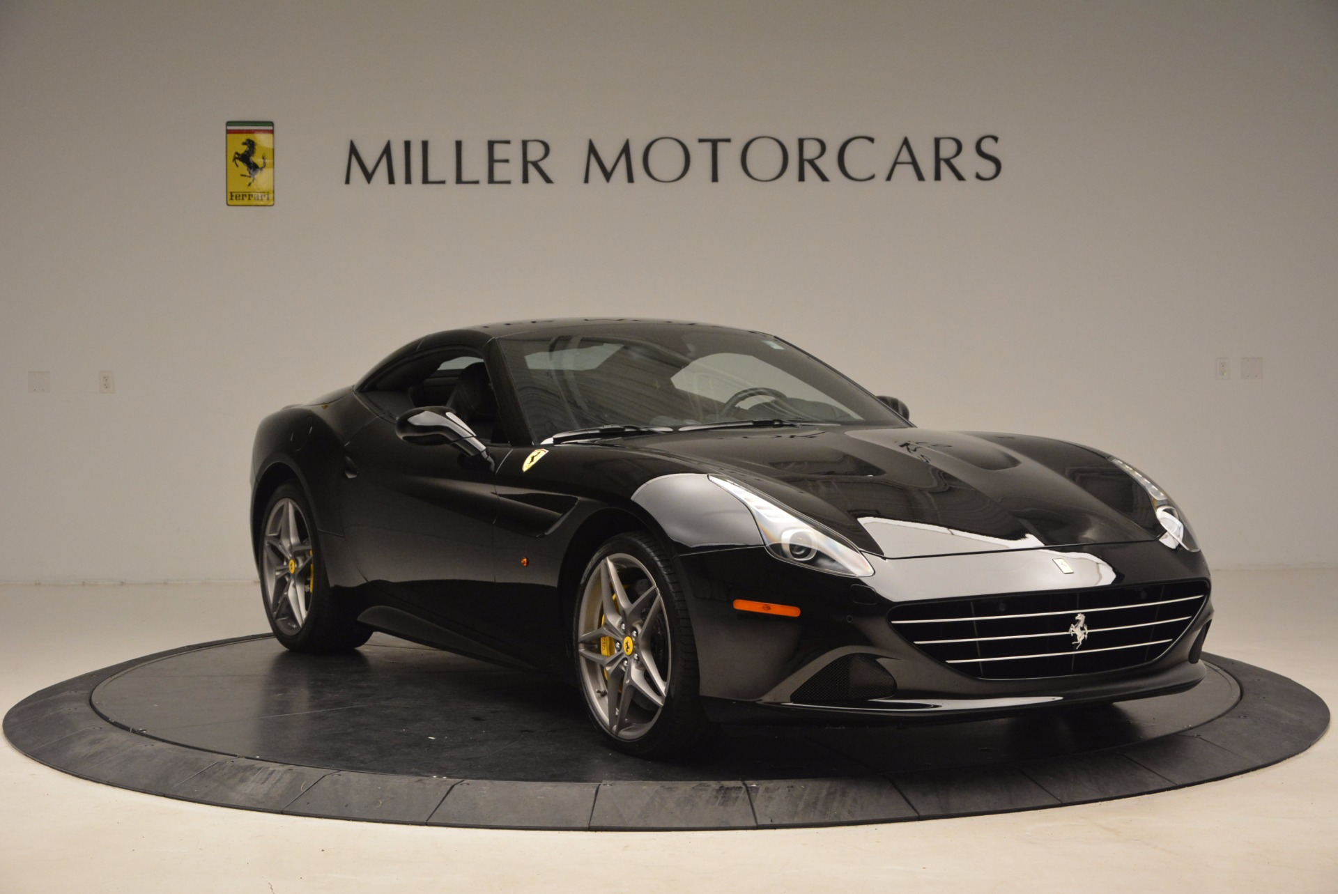 Used 2016 Ferrari California T  For Sale In Greenwich, CT 1630_p23