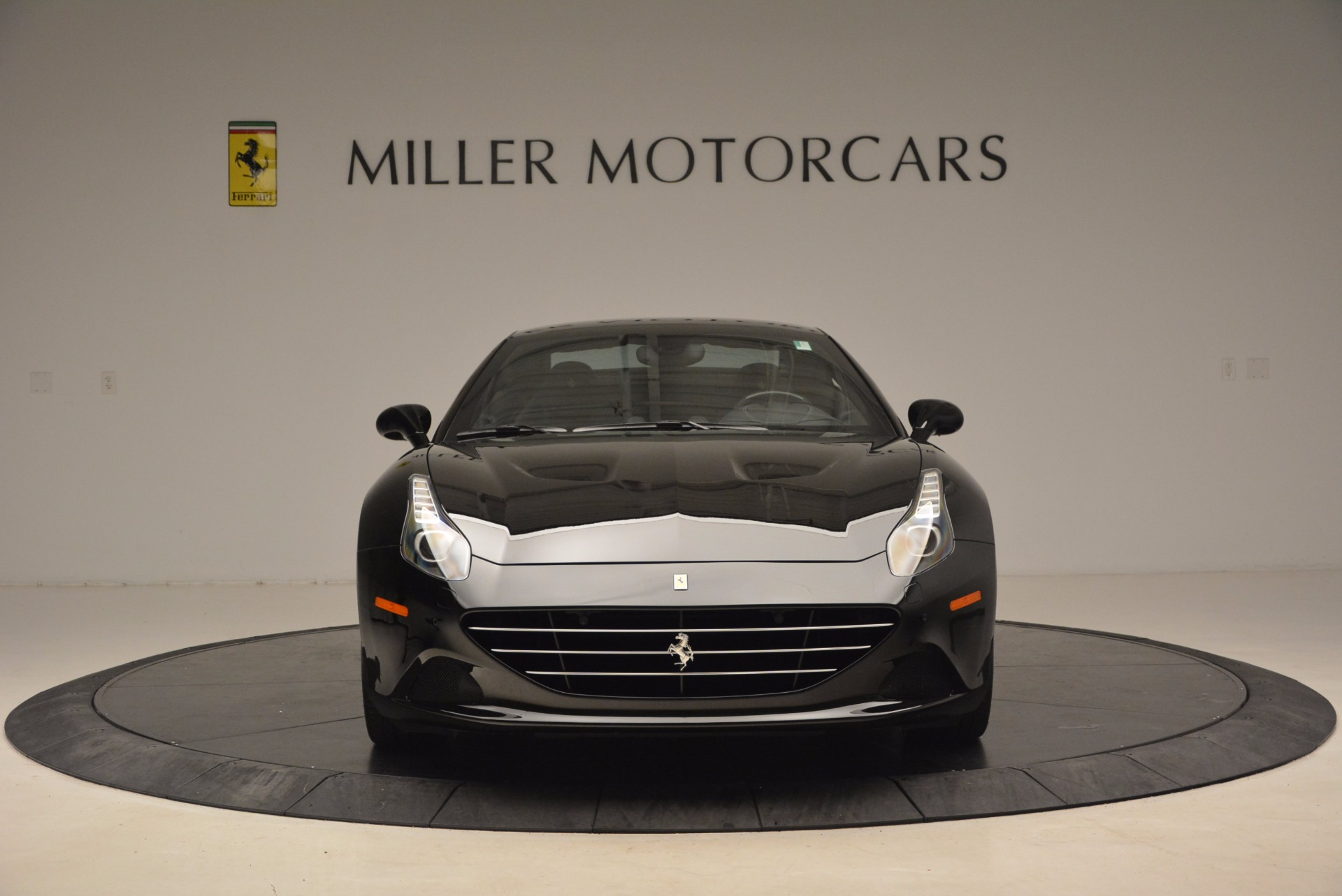 Used 2016 Ferrari California T  For Sale In Greenwich, CT 1630_p24