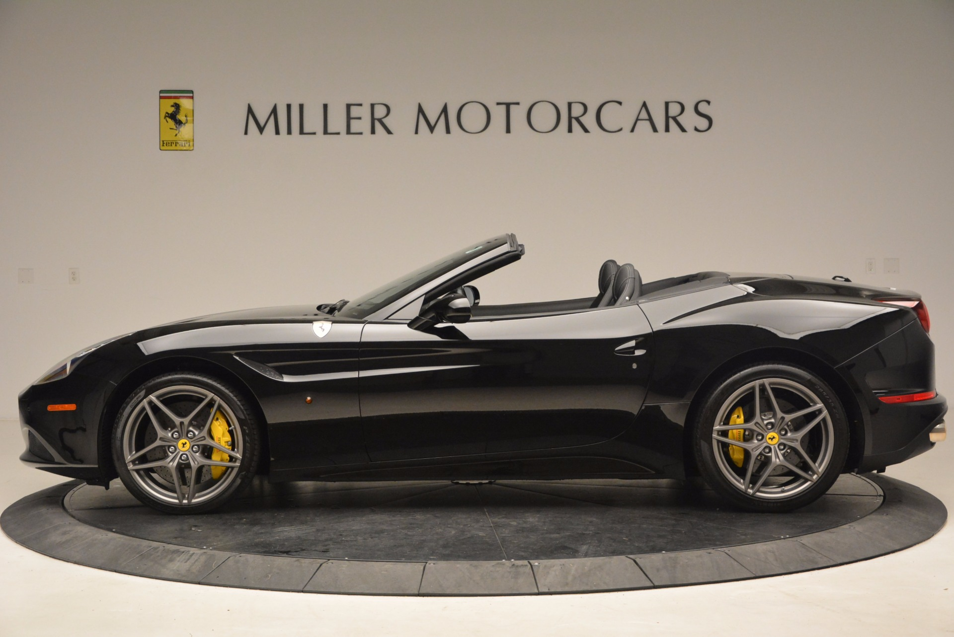 Used 2016 Ferrari California T  For Sale In Greenwich, CT 1630_p3