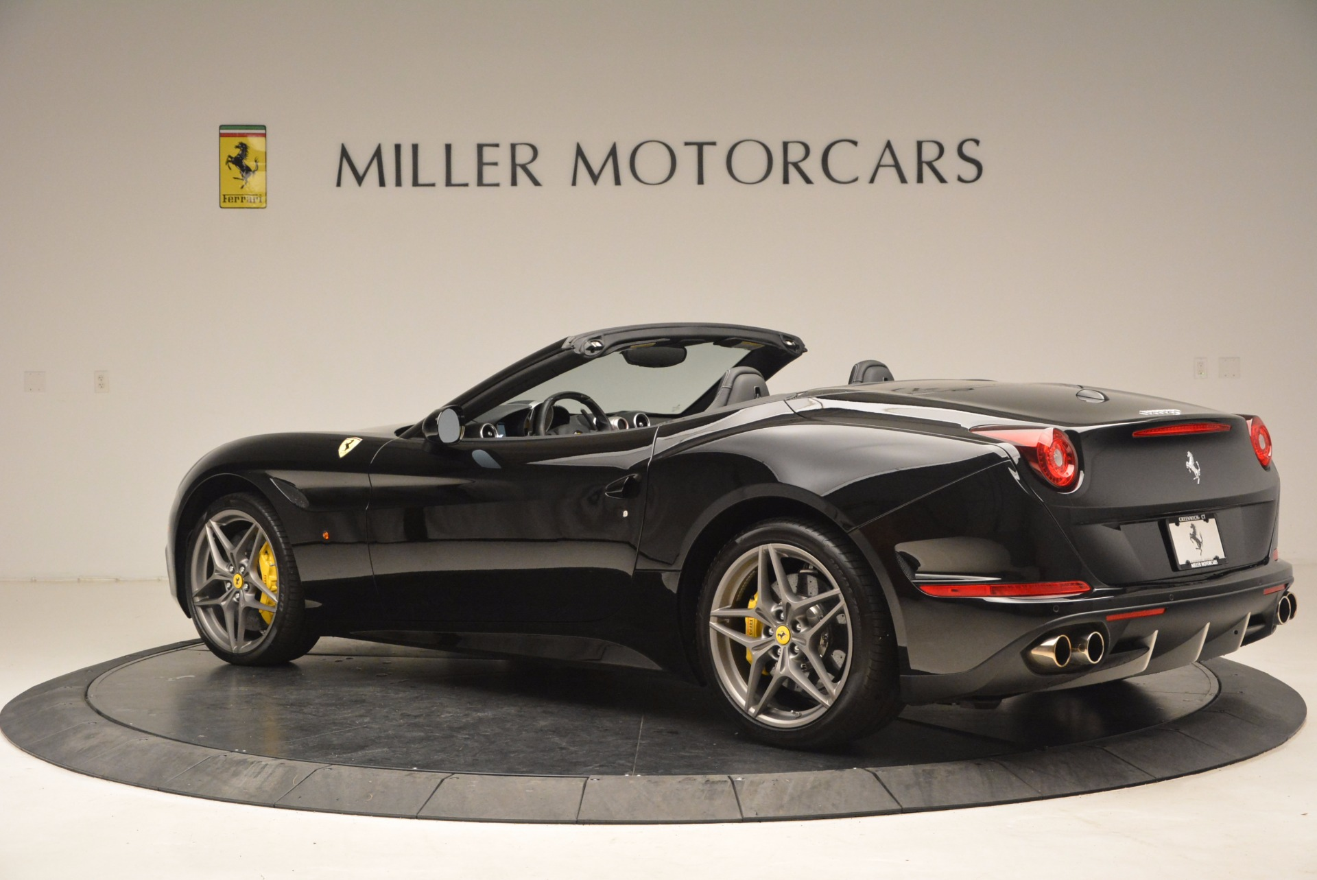 Used 2016 Ferrari California T  For Sale In Greenwich, CT 1630_p4