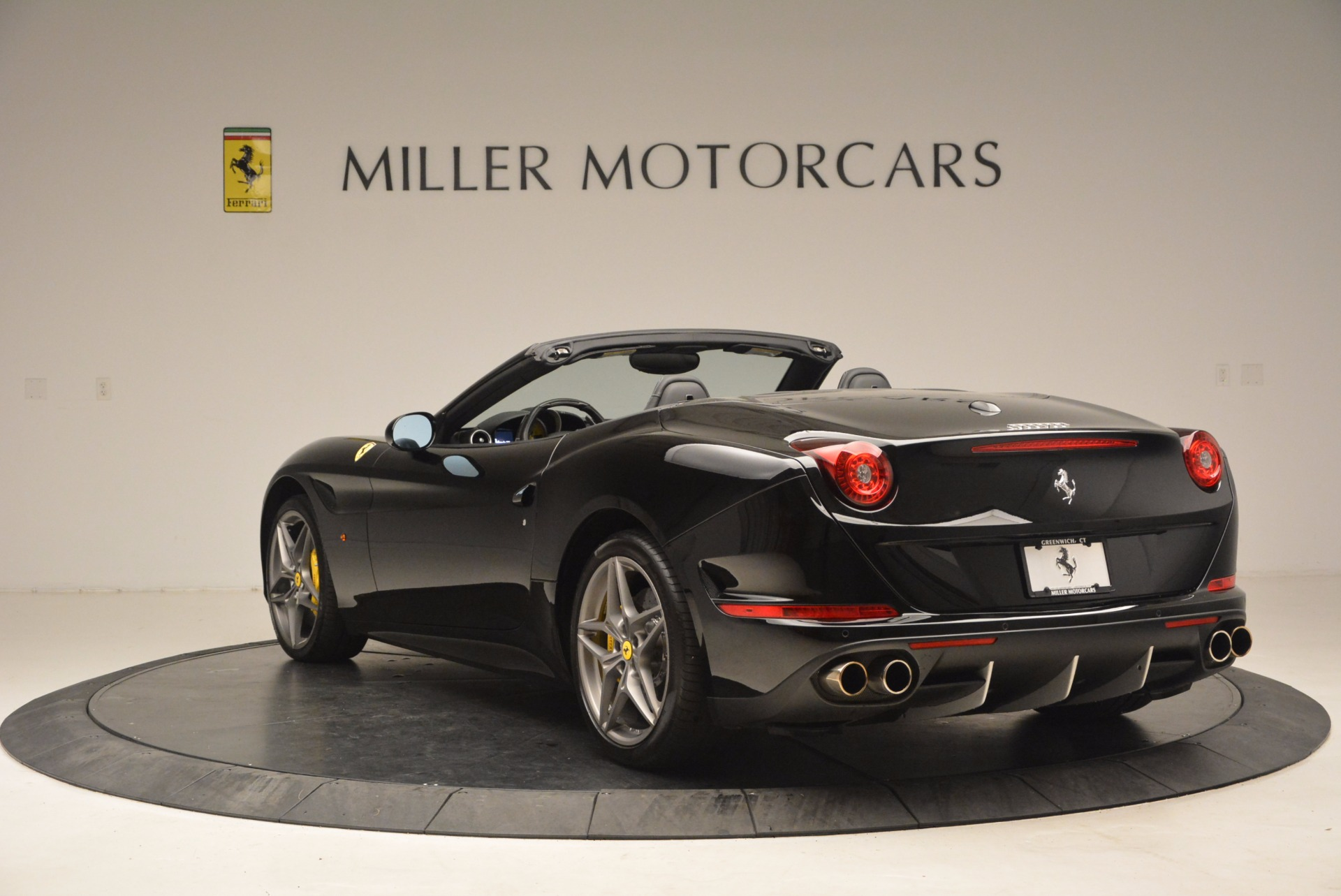Used 2016 Ferrari California T  For Sale In Greenwich, CT 1630_p5