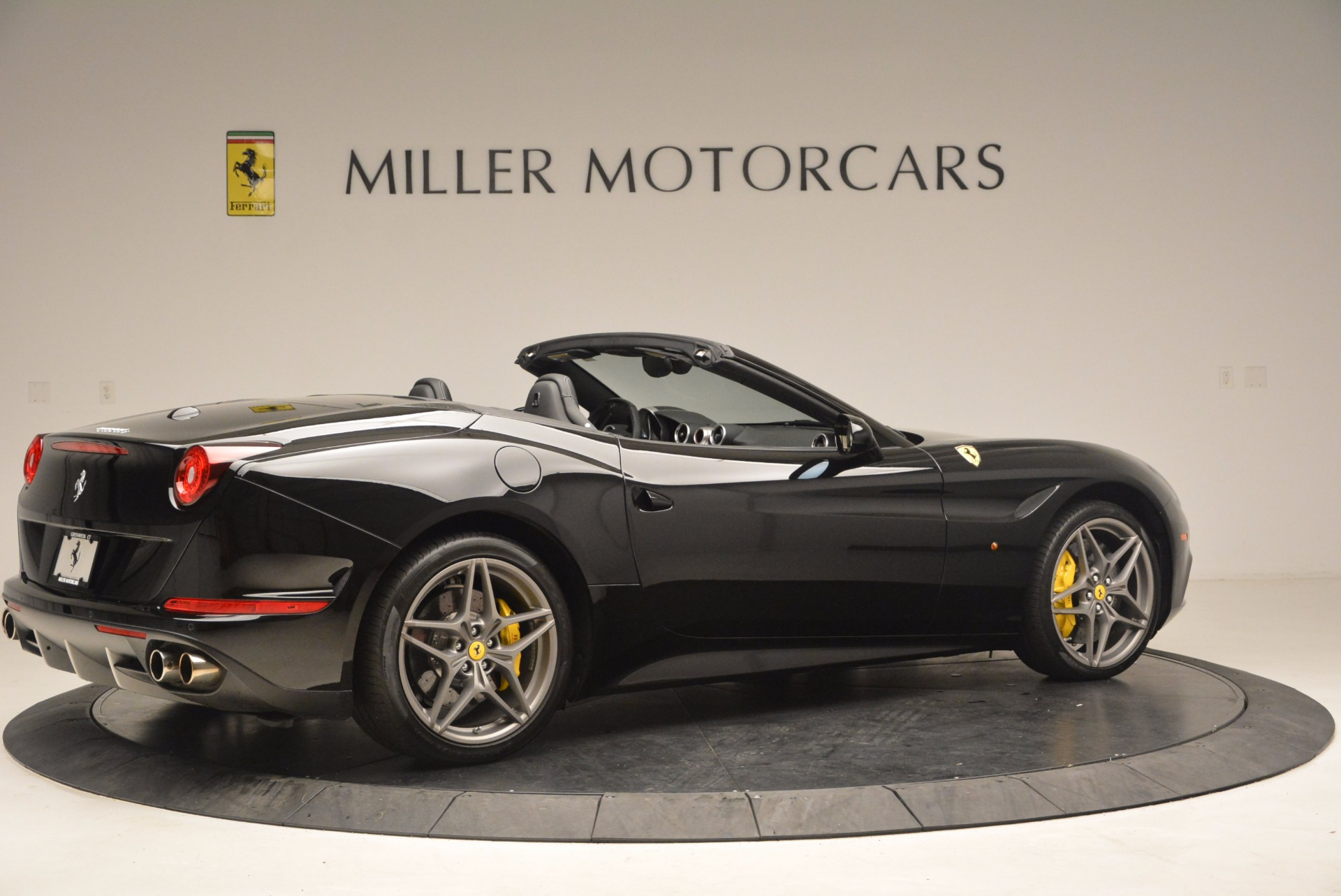 Used 2016 Ferrari California T  For Sale In Greenwich, CT 1630_p8