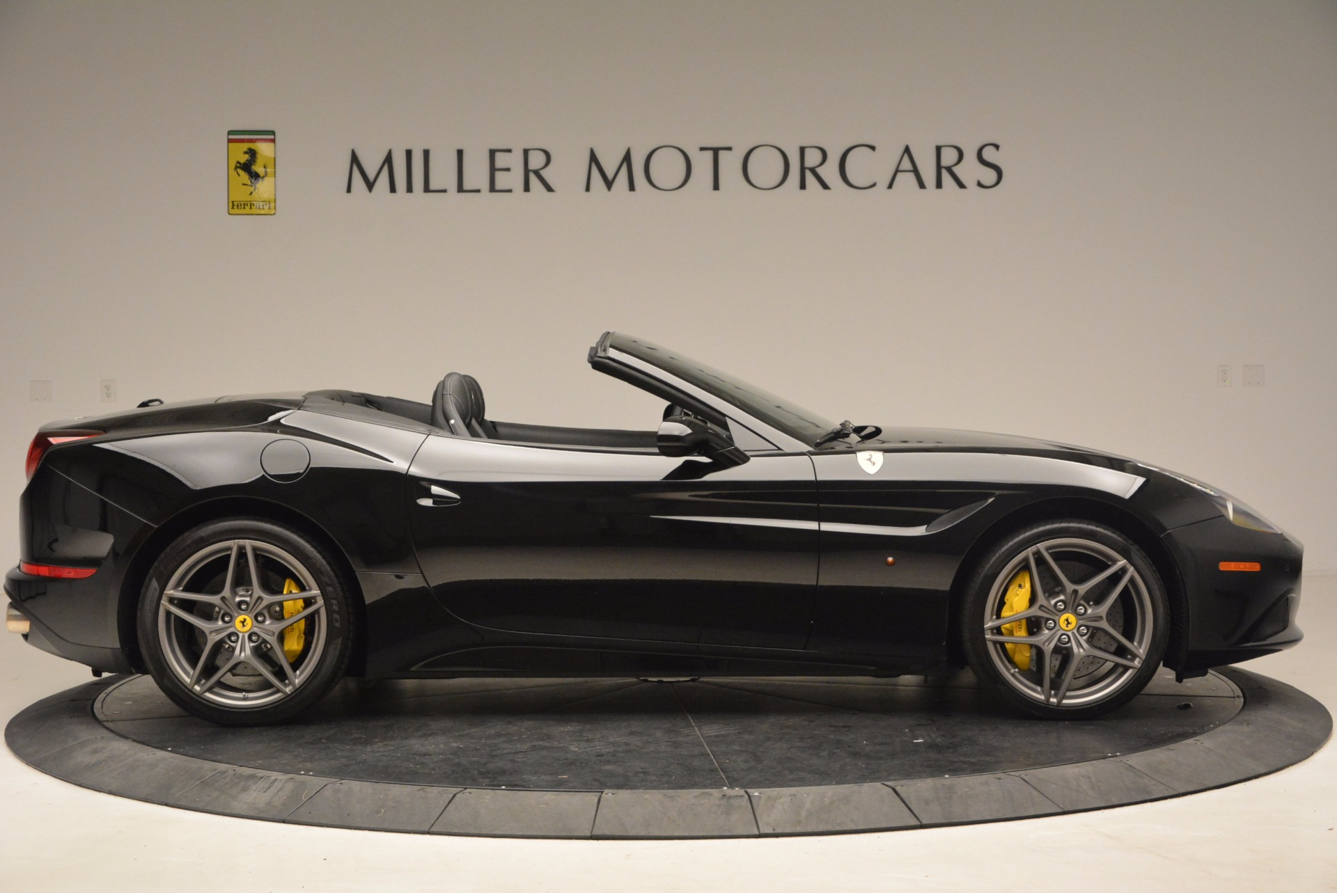 Used 2016 Ferrari California T  For Sale In Greenwich, CT 1630_p9
