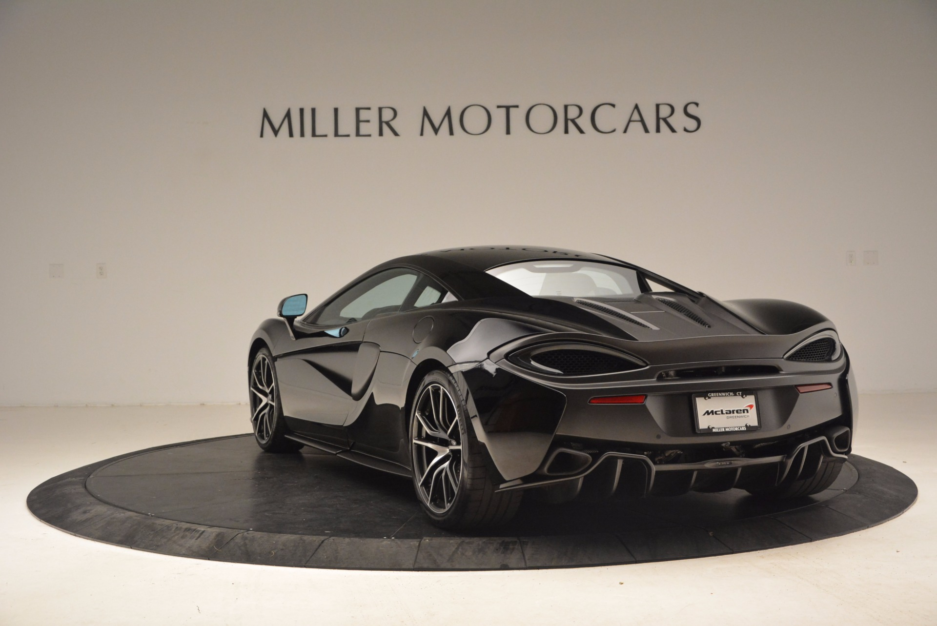 Used 2016 McLaren 570S  For Sale In Greenwich, CT 1645_p5