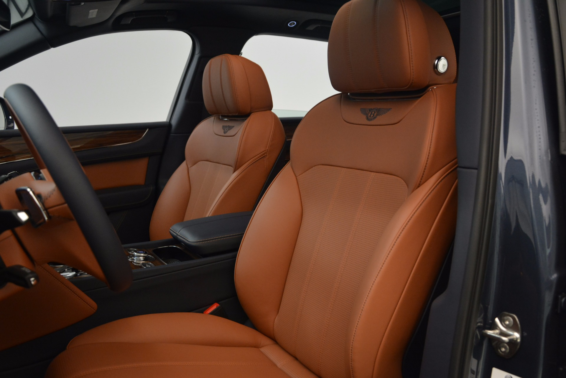 Used 2018 Bentley Bentayga Onyx For Sale In Greenwich, CT 1651_p20