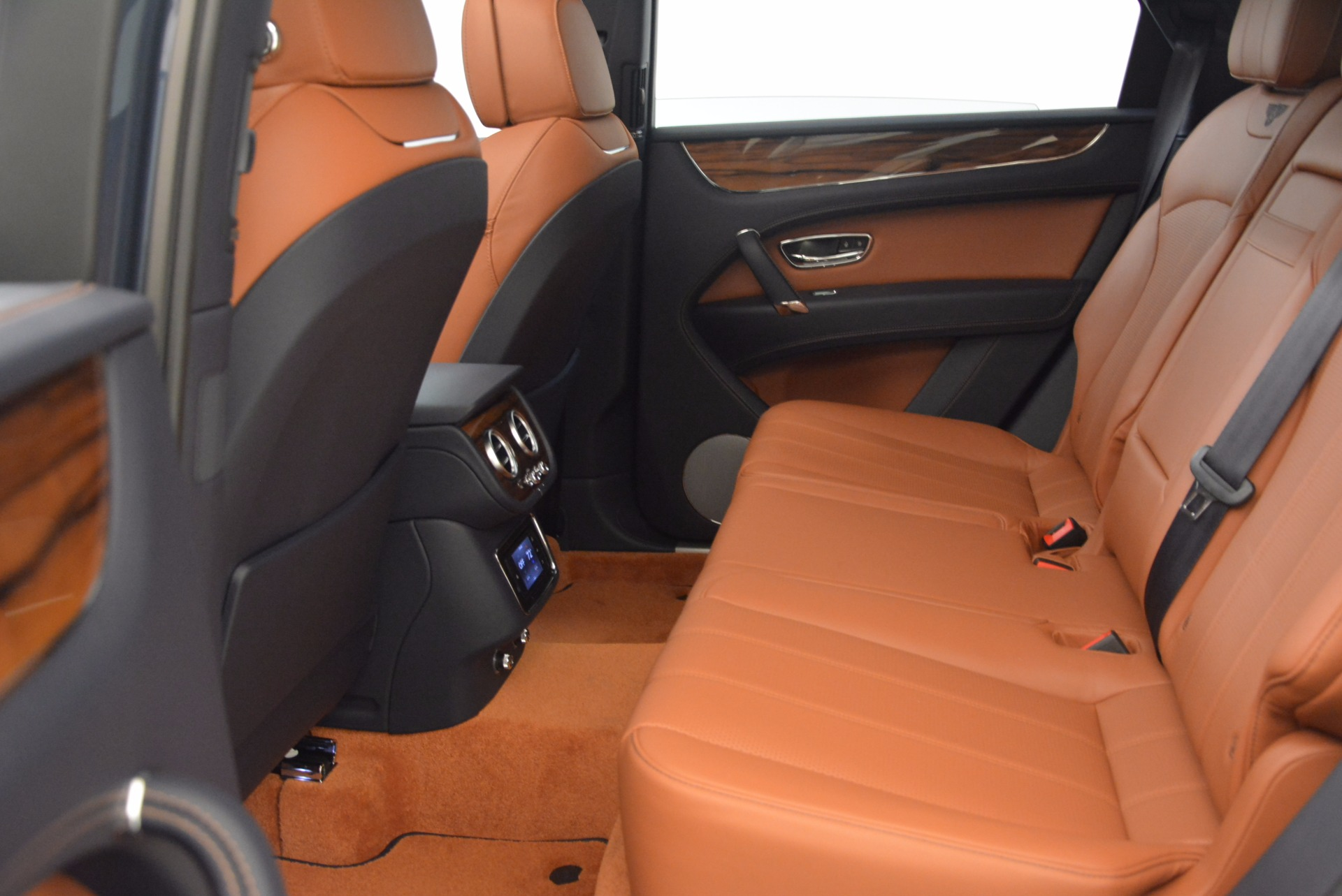 Used 2018 Bentley Bentayga Onyx For Sale In Greenwich, CT 1651_p26