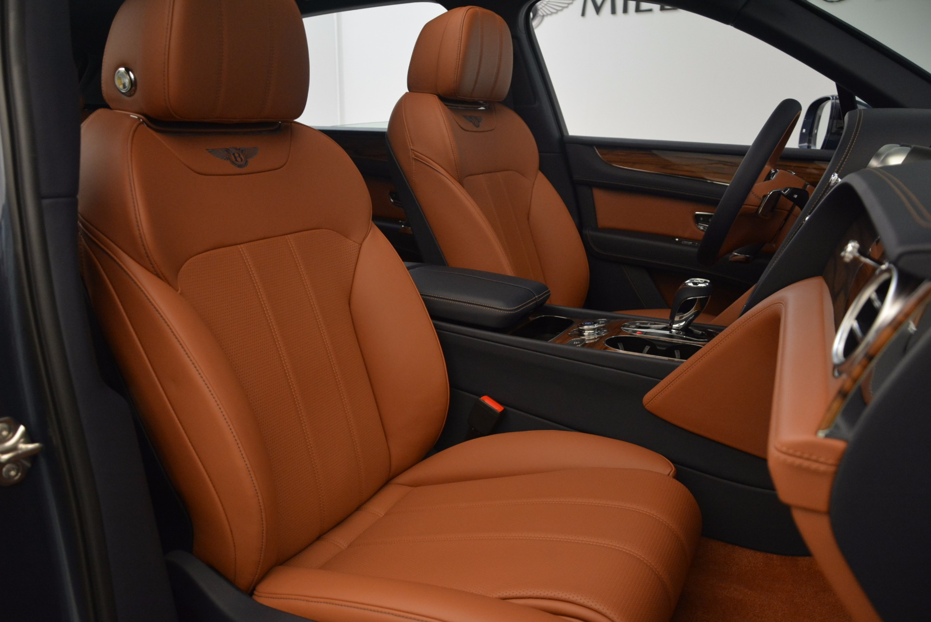 Used 2018 Bentley Bentayga Onyx For Sale In Greenwich, CT 1651_p29
