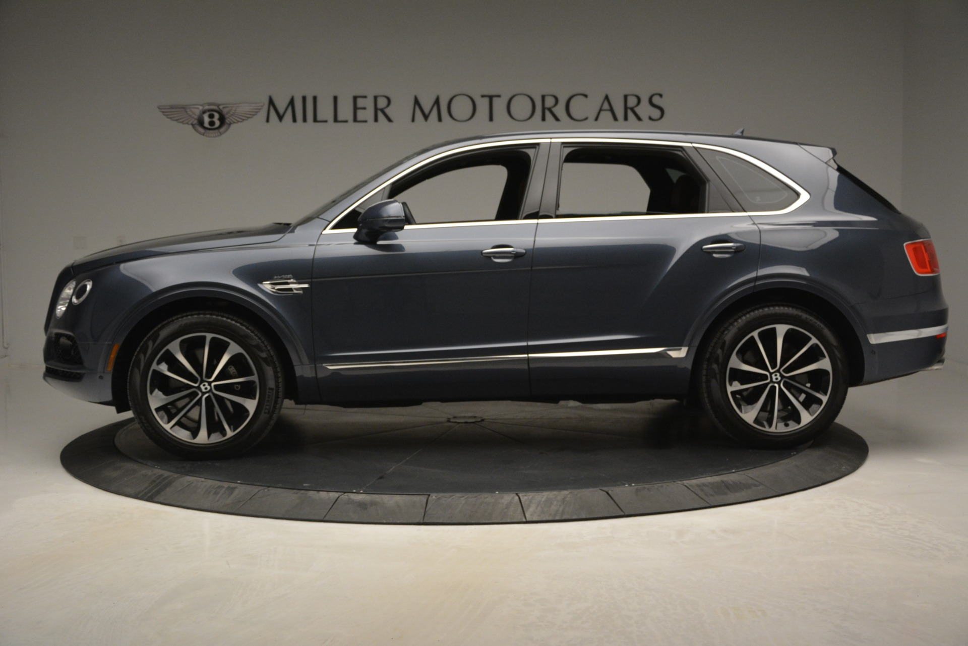 Used 2018 Bentley Bentayga Onyx For Sale In Greenwich, CT 1651_p3