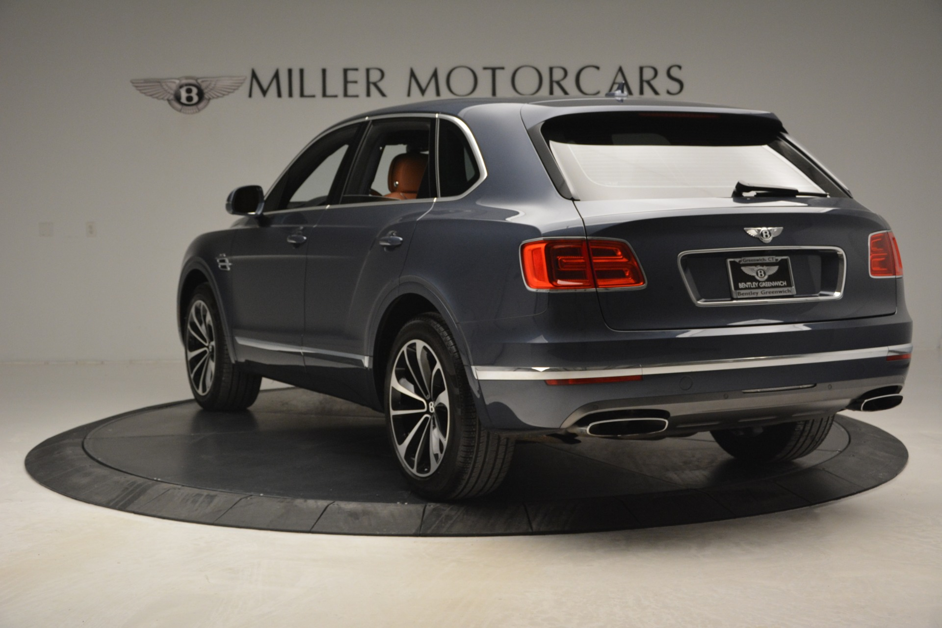 Used 2018 Bentley Bentayga Onyx For Sale In Greenwich, CT 1651_p5