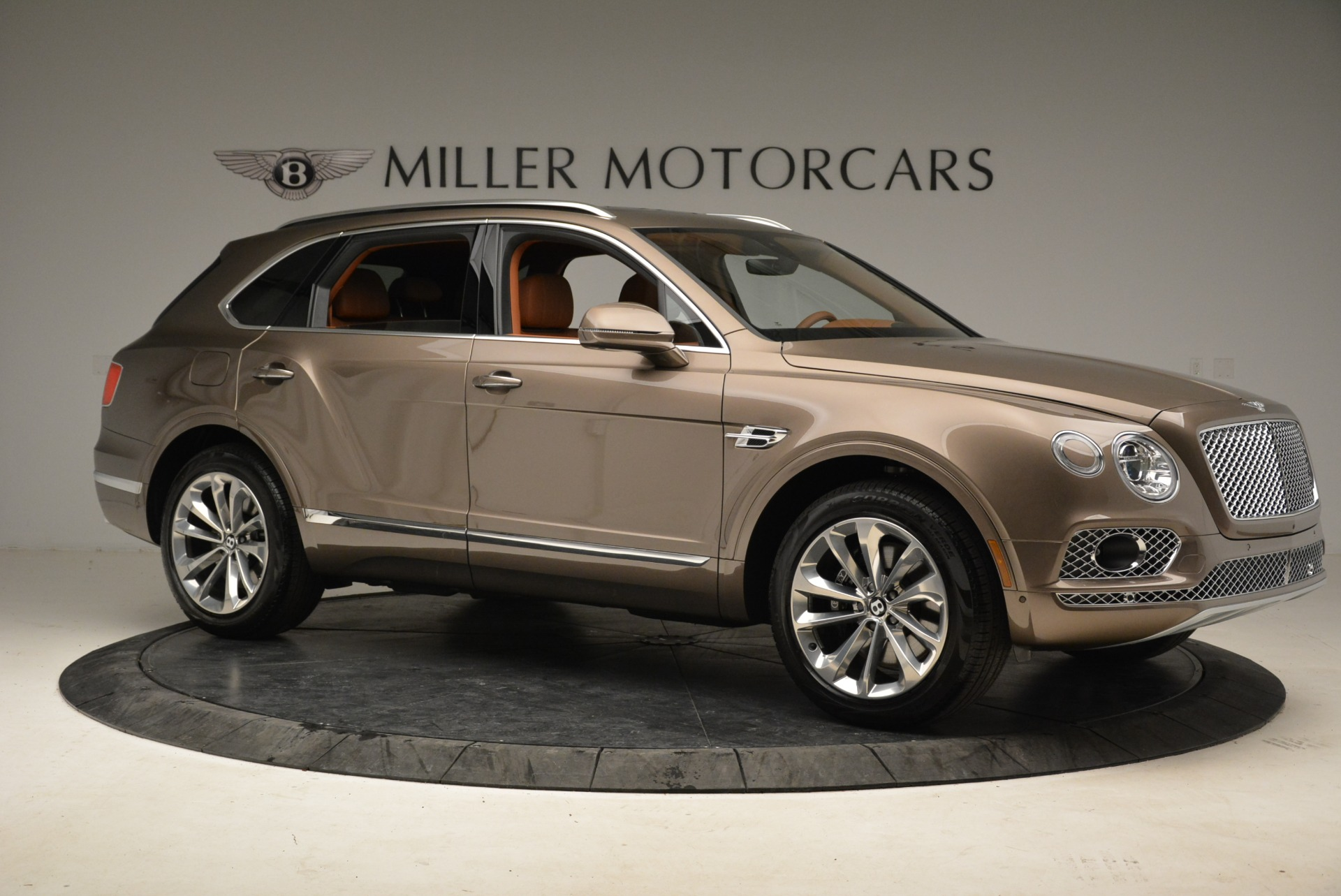 New 2018 Bentley Bentayga Signature For Sale In Greenwich, CT 1654_p10