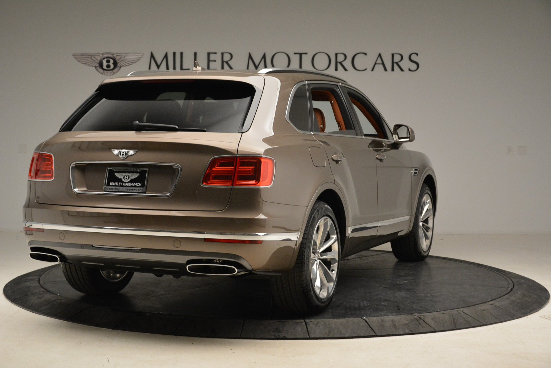 New 2018 Bentley Bentayga Signature For Sale In Greenwich, CT 1654_p7