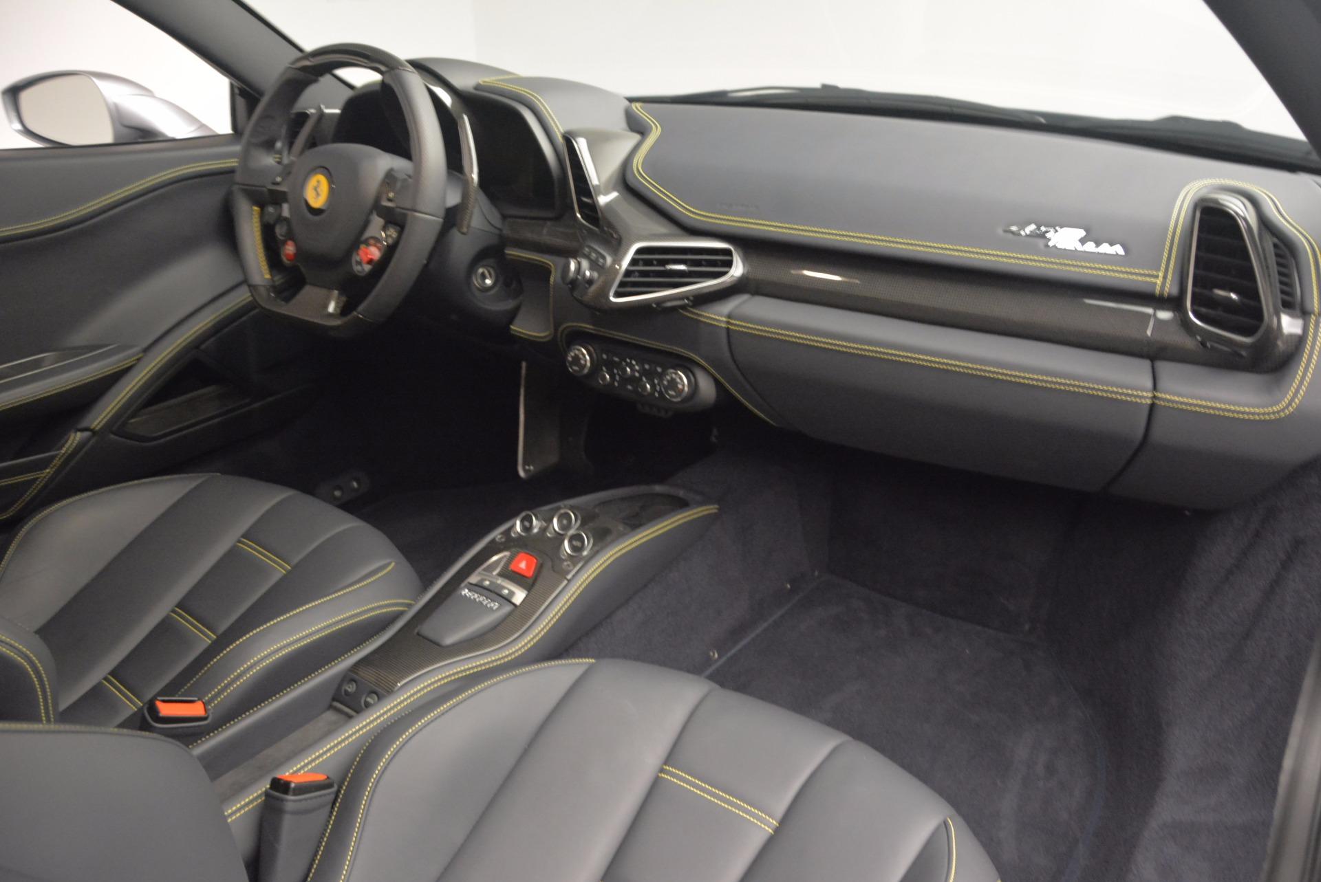 Used 2014 Ferrari 458 Italia  For Sale In Greenwich, CT 1669_p17