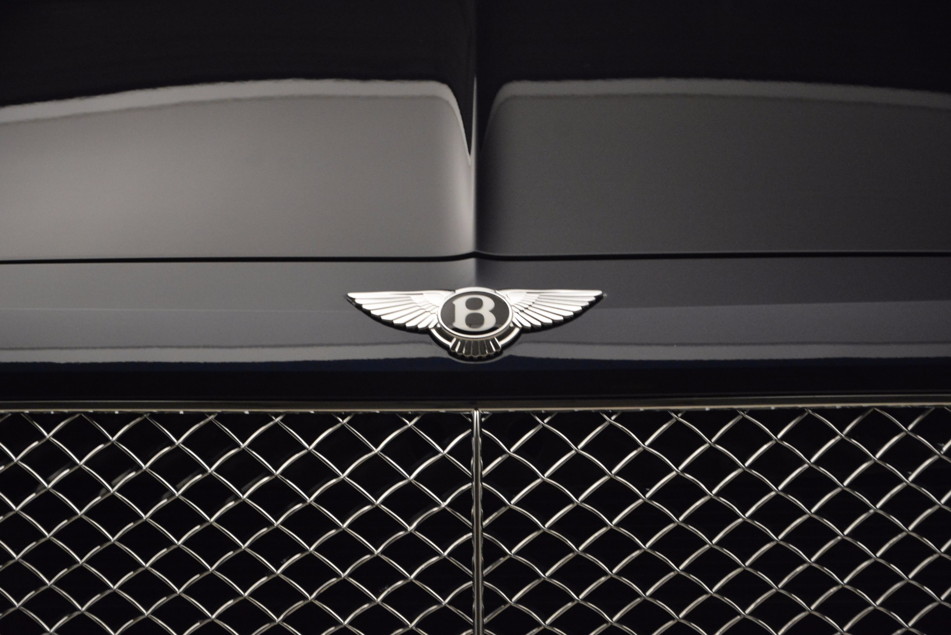 New 2018 Bentley Bentayga Signature For Sale In Greenwich, CT 1675_p14