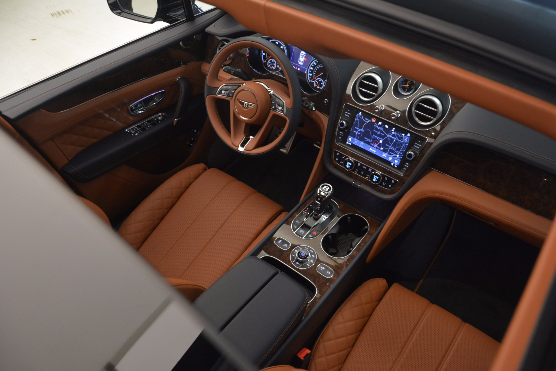 New 2018 Bentley Bentayga Signature For Sale In Greenwich, CT 1675_p33