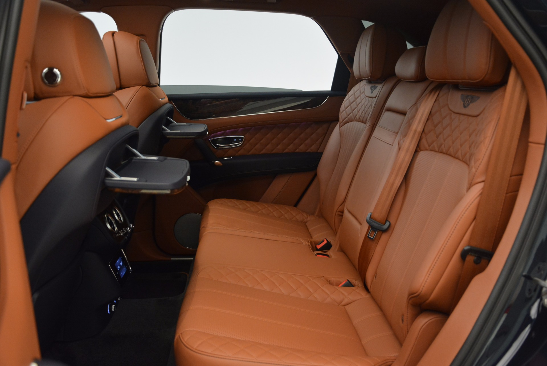 New 2018 Bentley Bentayga Signature For Sale In Greenwich, CT 1675_p35