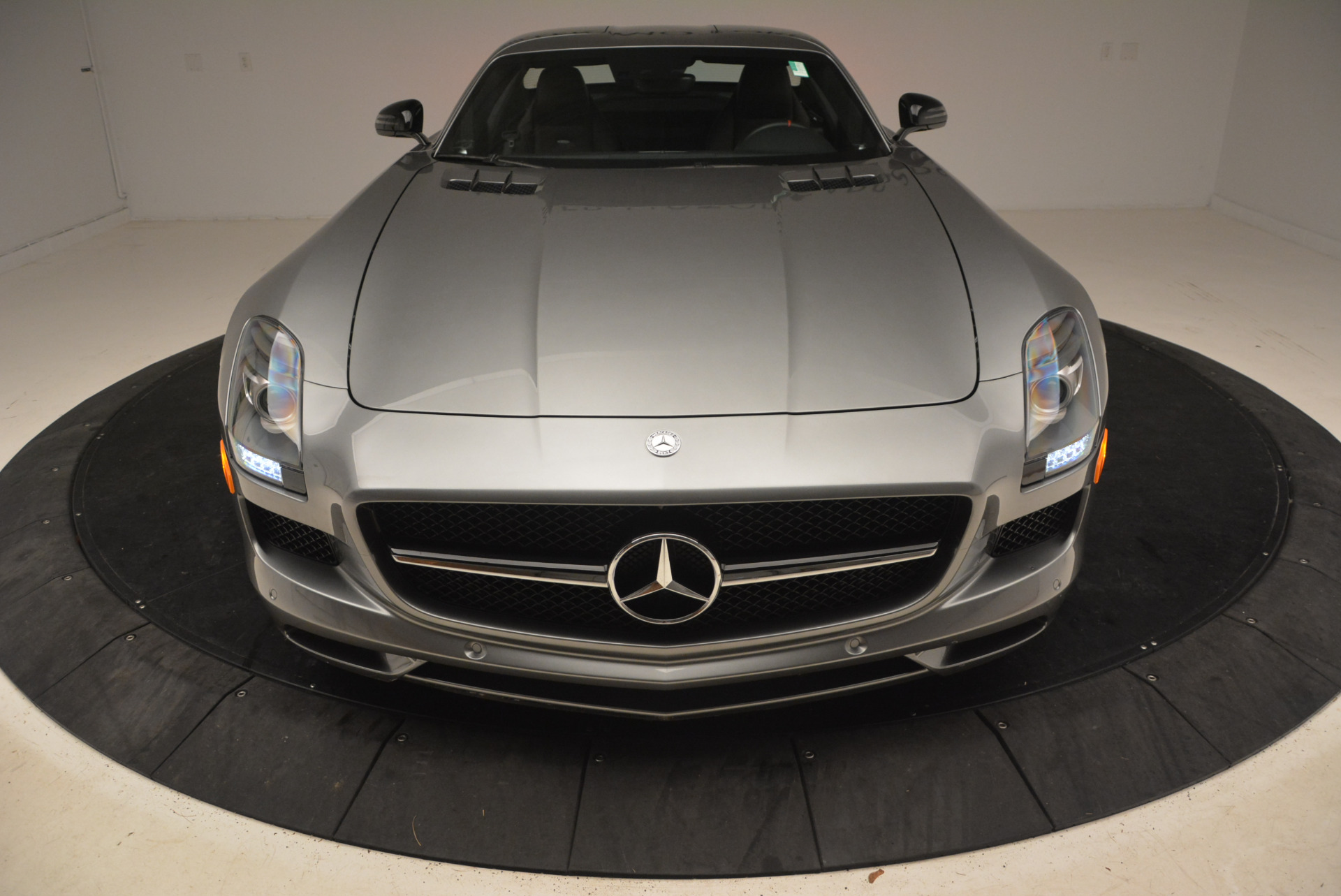 Used 2014 Mercedes-Benz SLS AMG GT For Sale In Greenwich, CT 1694_p18
